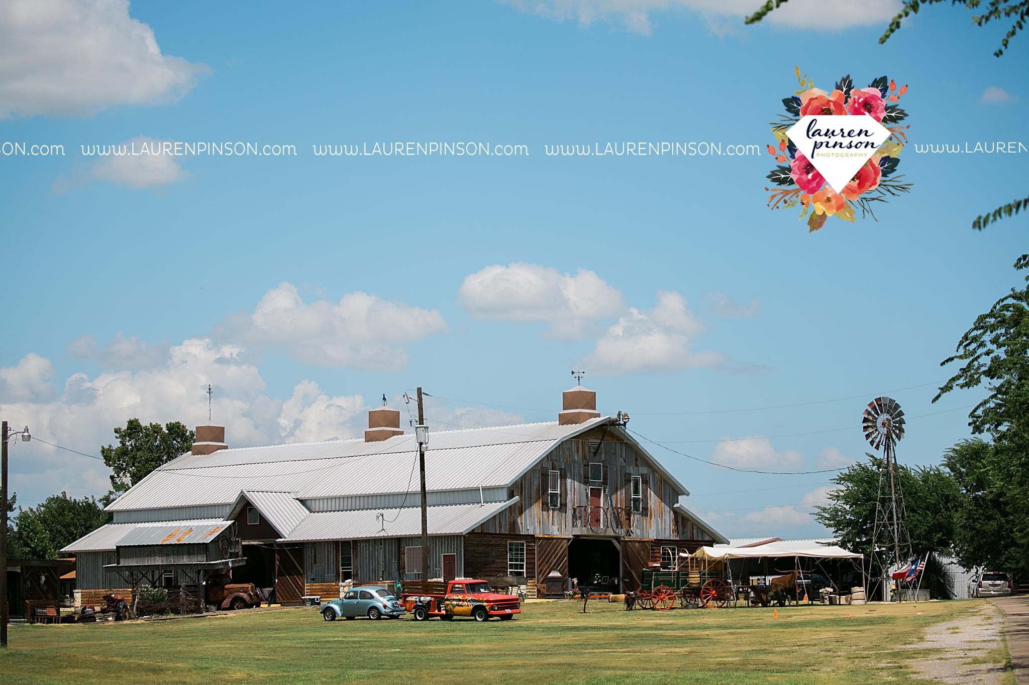 jones-barn-willow-creek-ranch-wedding-in-cleburne-texas-fort-worth-dfw-wichita-falls-wedding-photography_3183.jpg