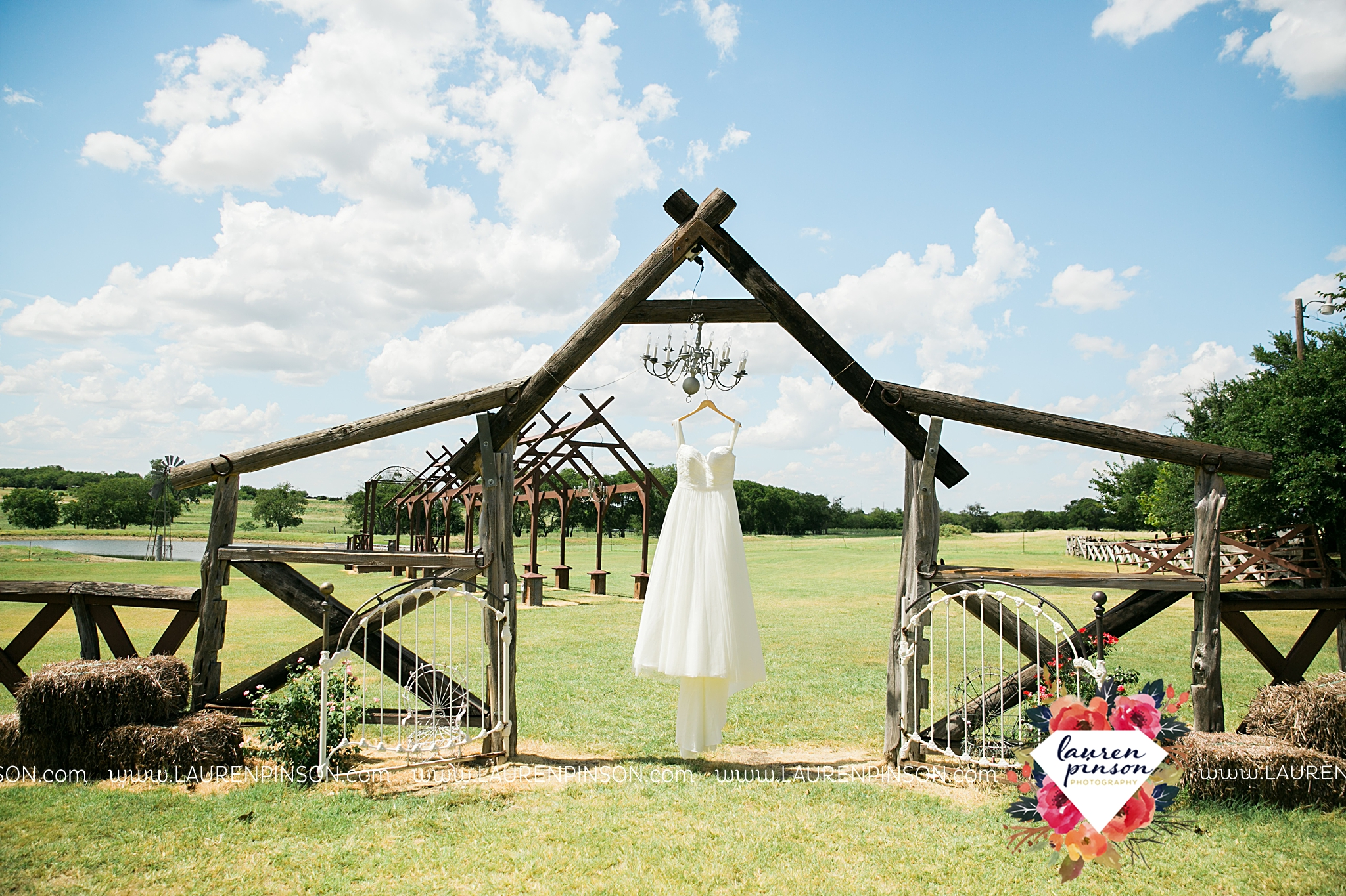 jones-barn-willow-creek-ranch-wedding-in-cleburne-texas-fort-worth-dfw-wichita-falls-wedding-photography_3184.jpg