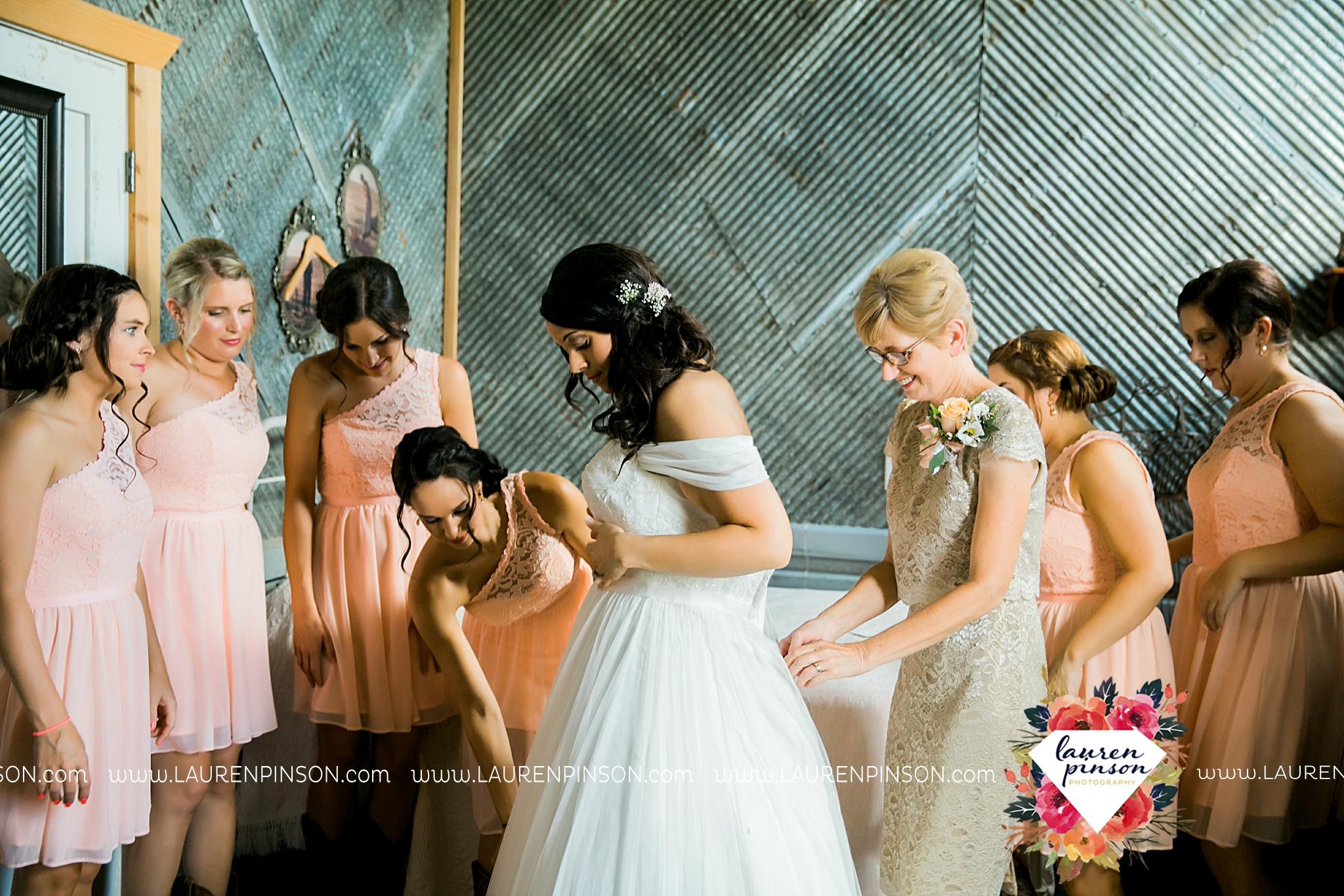 jones-barn-willow-creek-ranch-wedding-in-cleburne-texas-fort-worth-dfw-wichita-falls-wedding-photography_3193.jpg