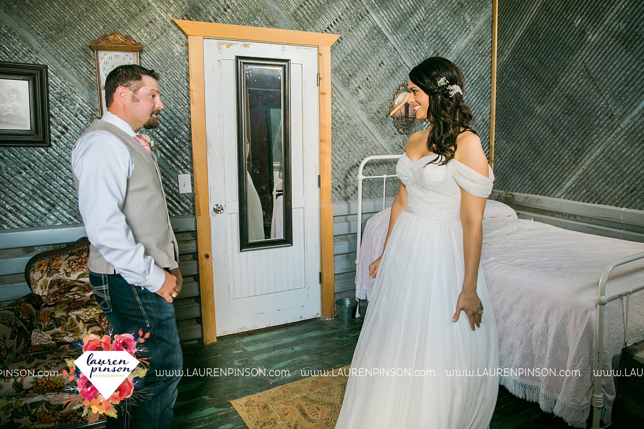 jones-barn-willow-creek-ranch-wedding-in-cleburne-texas-fort-worth-dfw-wichita-falls-wedding-photography_3200.jpg