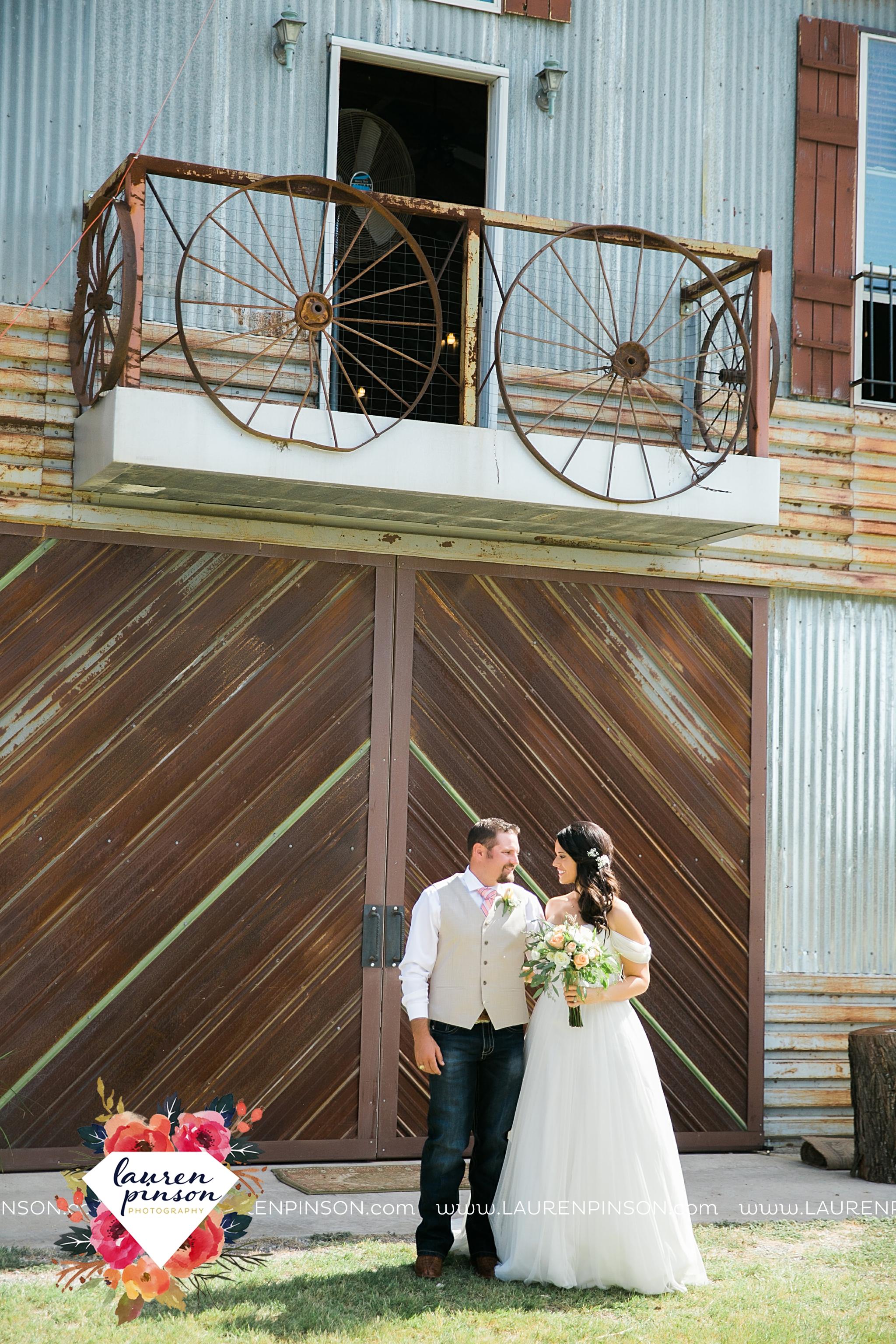 jones-barn-willow-creek-ranch-wedding-in-cleburne-texas-fort-worth-dfw-wichita-falls-wedding-photography_3206.jpg