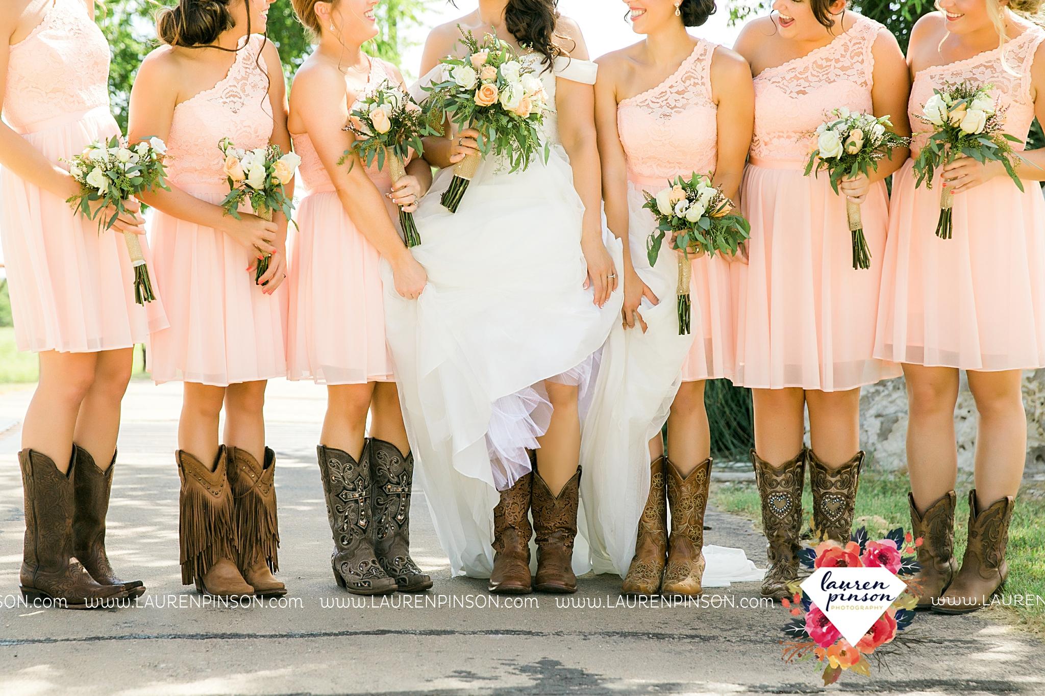 jones-barn-willow-creek-ranch-wedding-in-cleburne-texas-fort-worth-dfw-wichita-falls-wedding-photography_3214.jpg