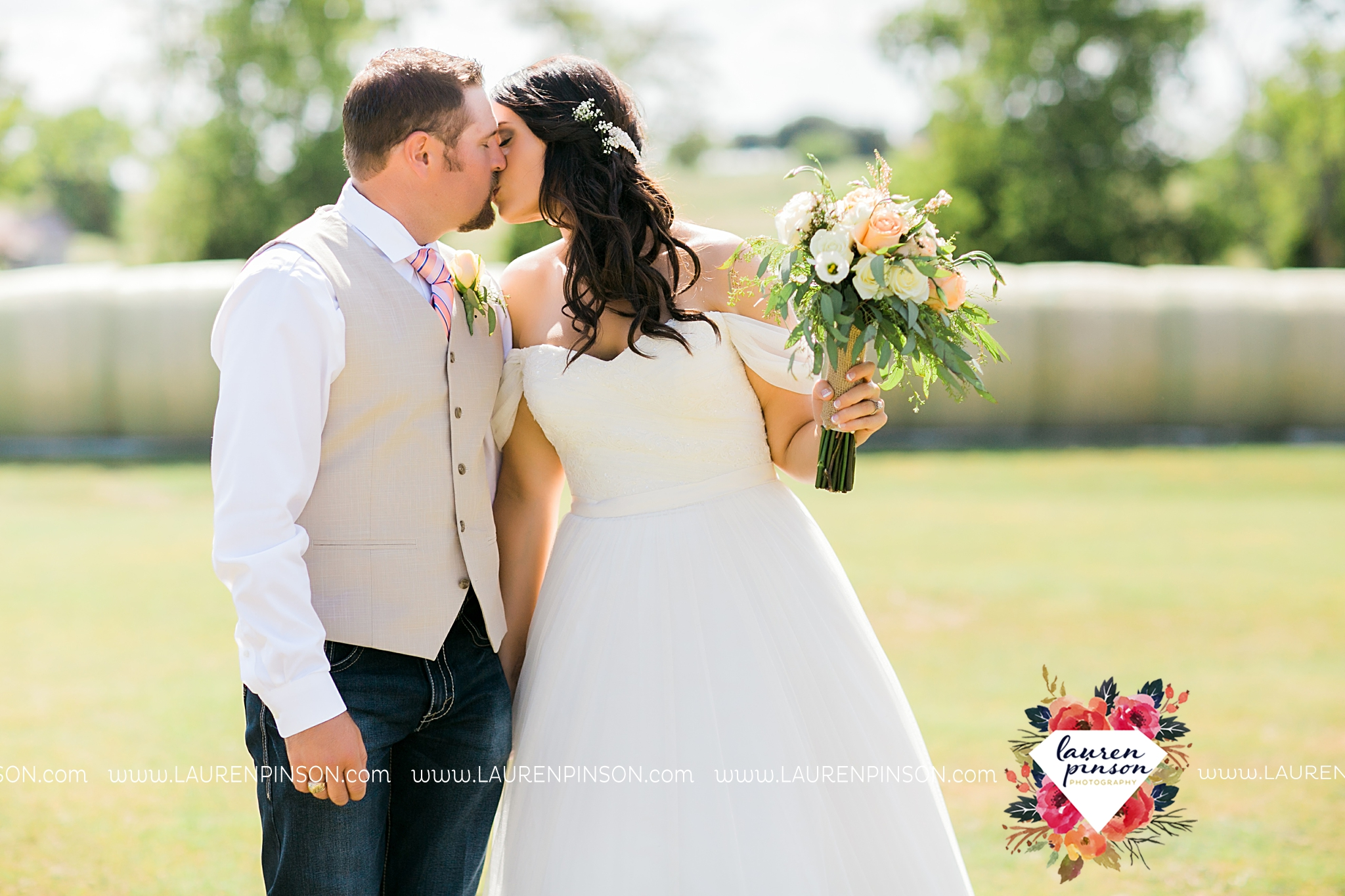 jones-barn-willow-creek-ranch-wedding-in-cleburne-texas-fort-worth-dfw-wichita-falls-wedding-photography_3226.jpg