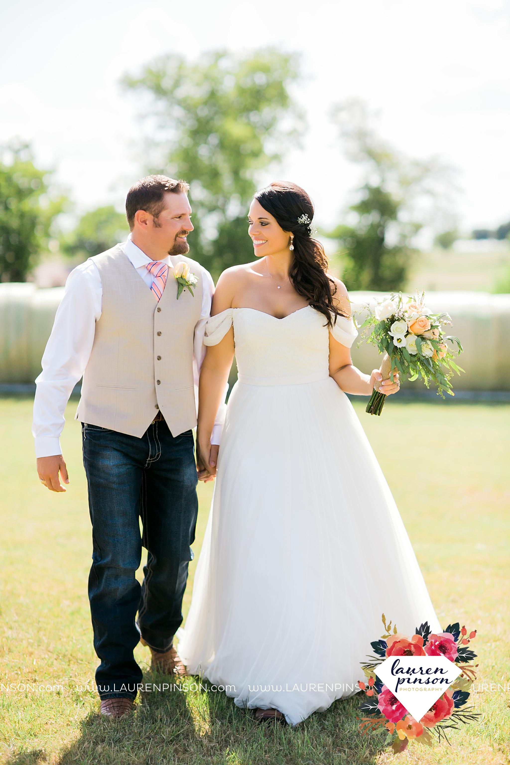 jones-barn-willow-creek-ranch-wedding-in-cleburne-texas-fort-worth-dfw-wichita-falls-wedding-photography_3225.jpg