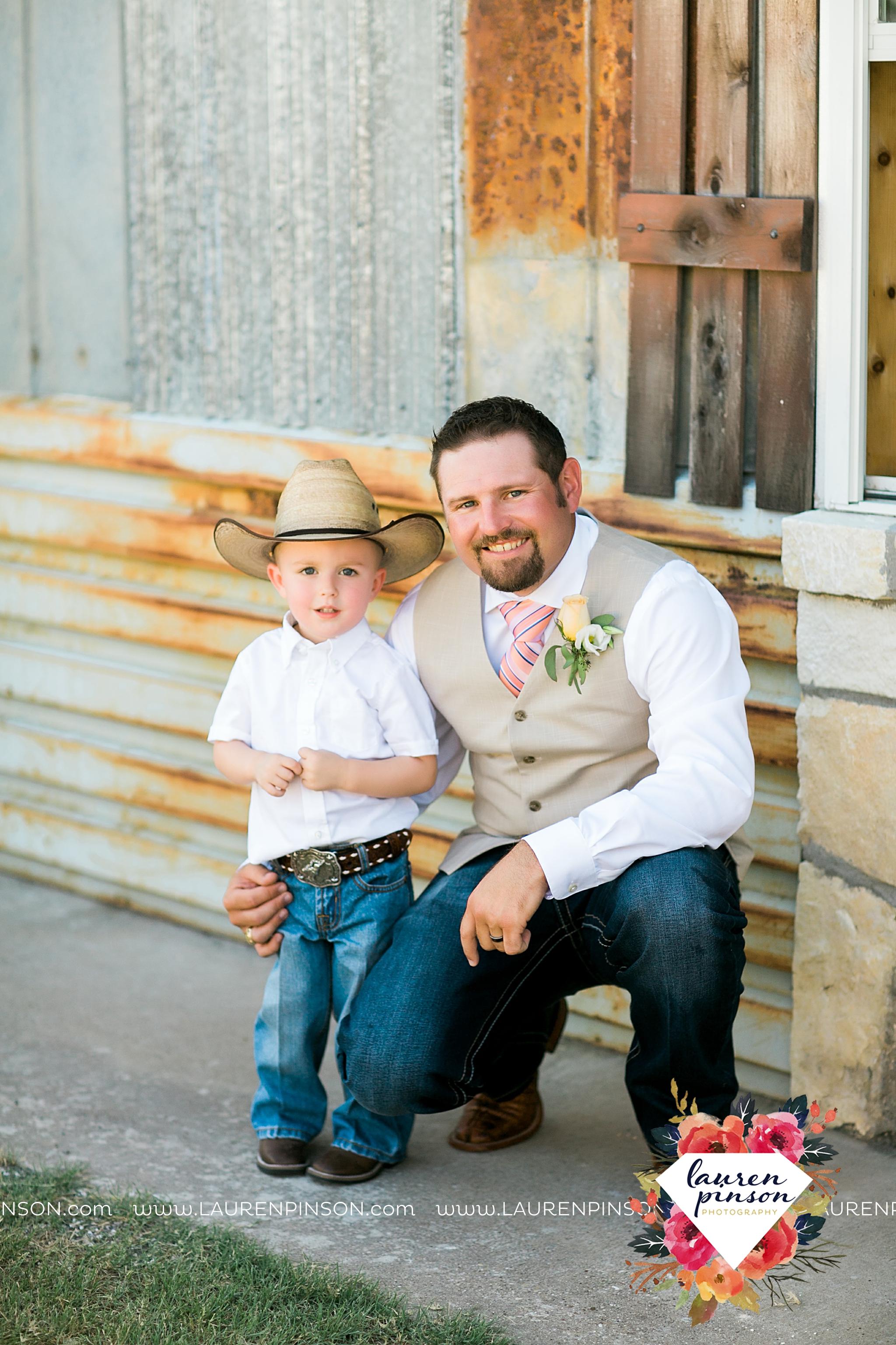 jones-barn-willow-creek-ranch-wedding-in-cleburne-texas-fort-worth-dfw-wichita-falls-wedding-photography_3228.jpg