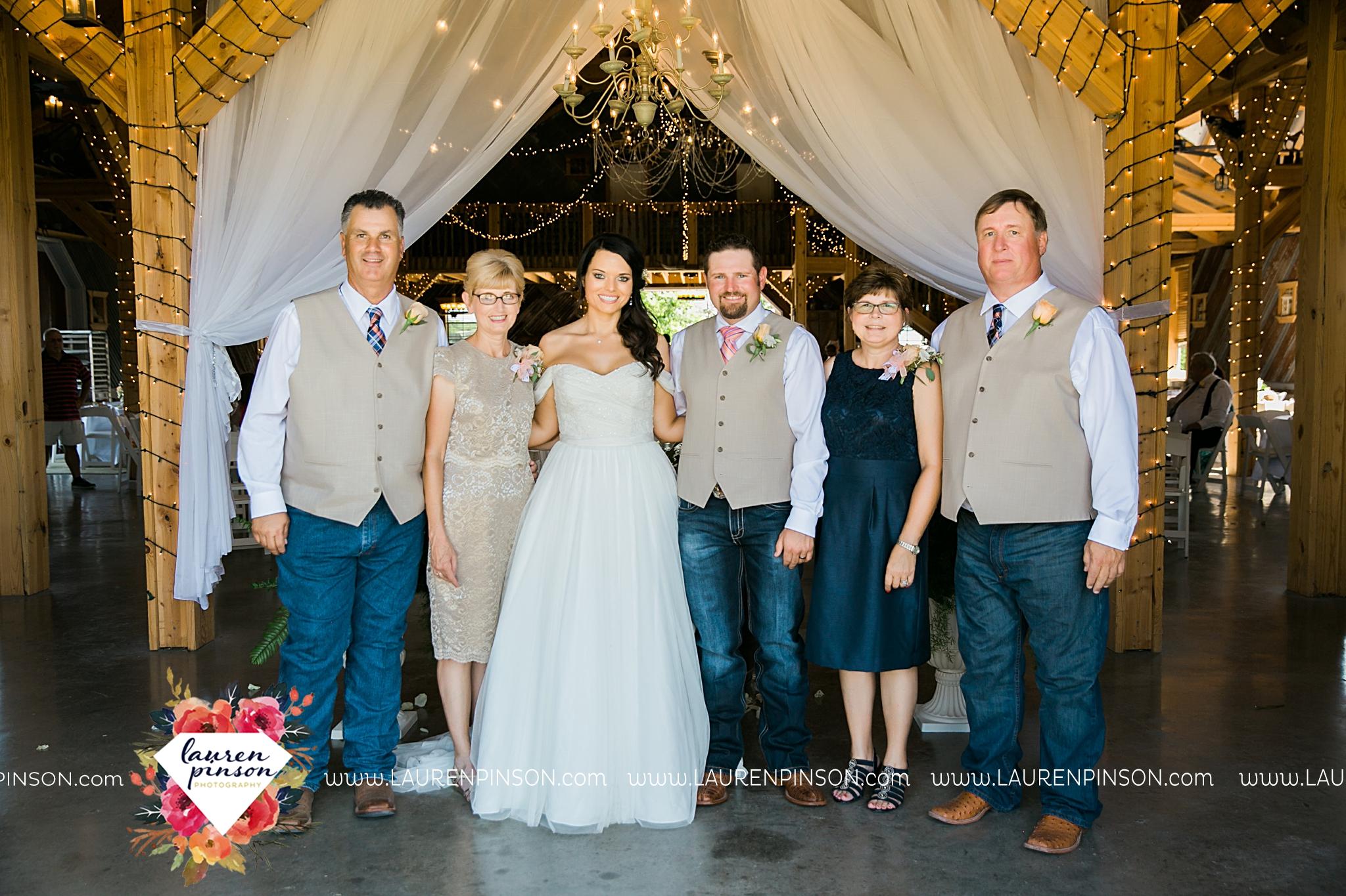jones-barn-willow-creek-ranch-wedding-in-cleburne-texas-fort-worth-dfw-wichita-falls-wedding-photography_3230.jpg