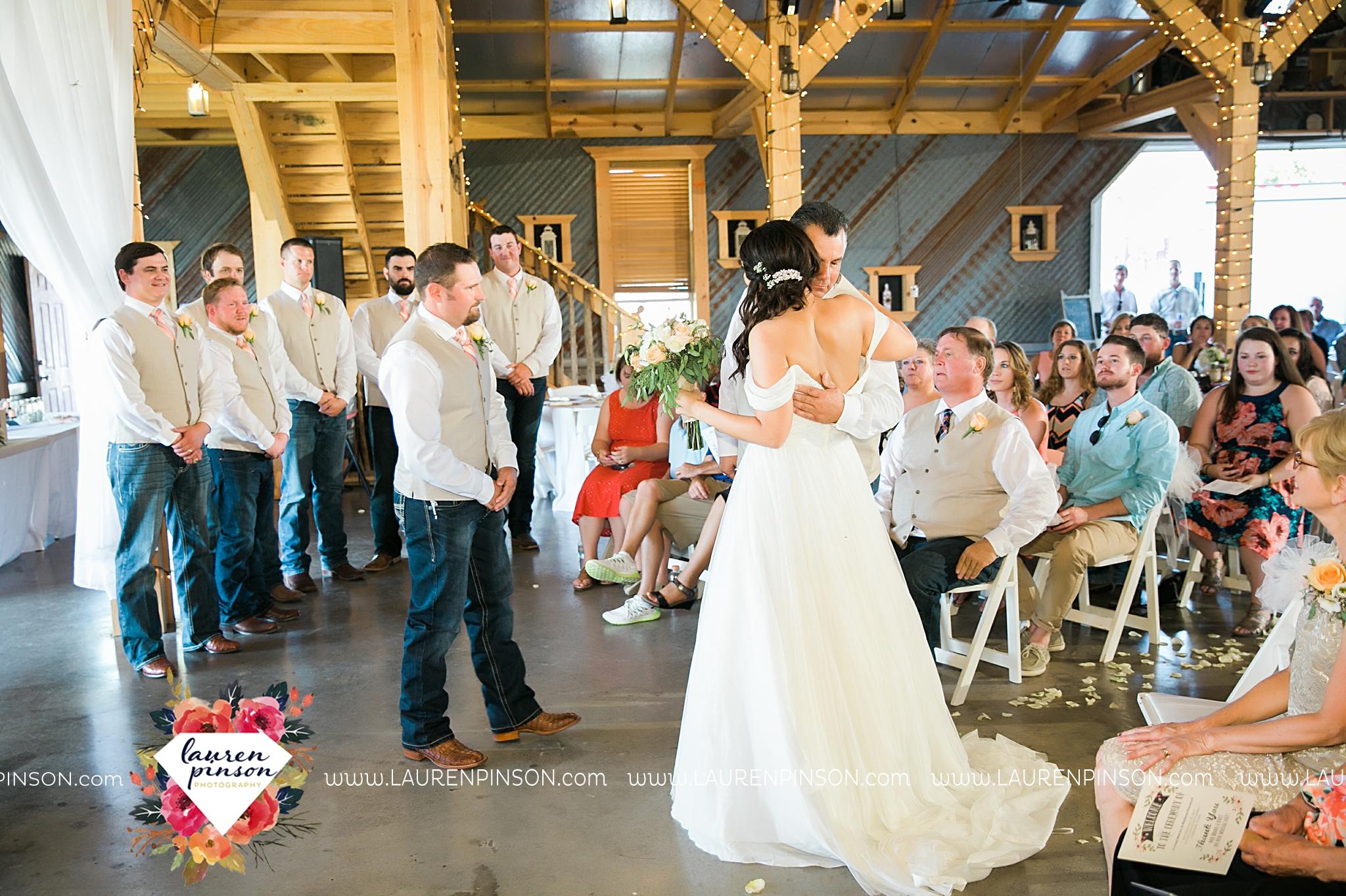 jones-barn-willow-creek-ranch-wedding-in-cleburne-texas-fort-worth-dfw-wichita-falls-wedding-photography_3241.jpg