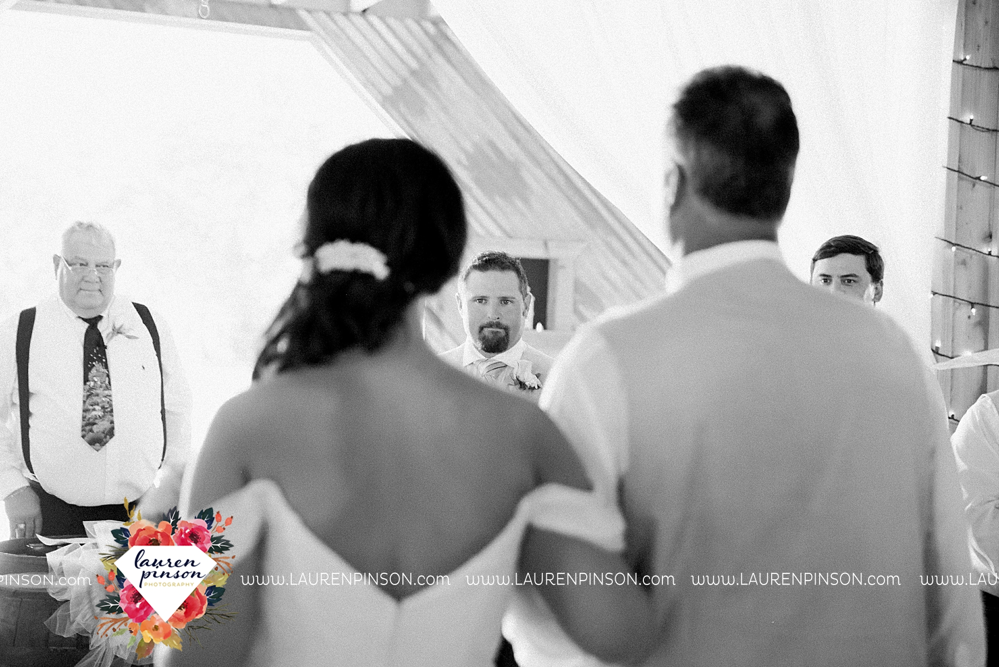 jones-barn-willow-creek-ranch-wedding-in-cleburne-texas-fort-worth-dfw-wichita-falls-wedding-photography_3242.jpg