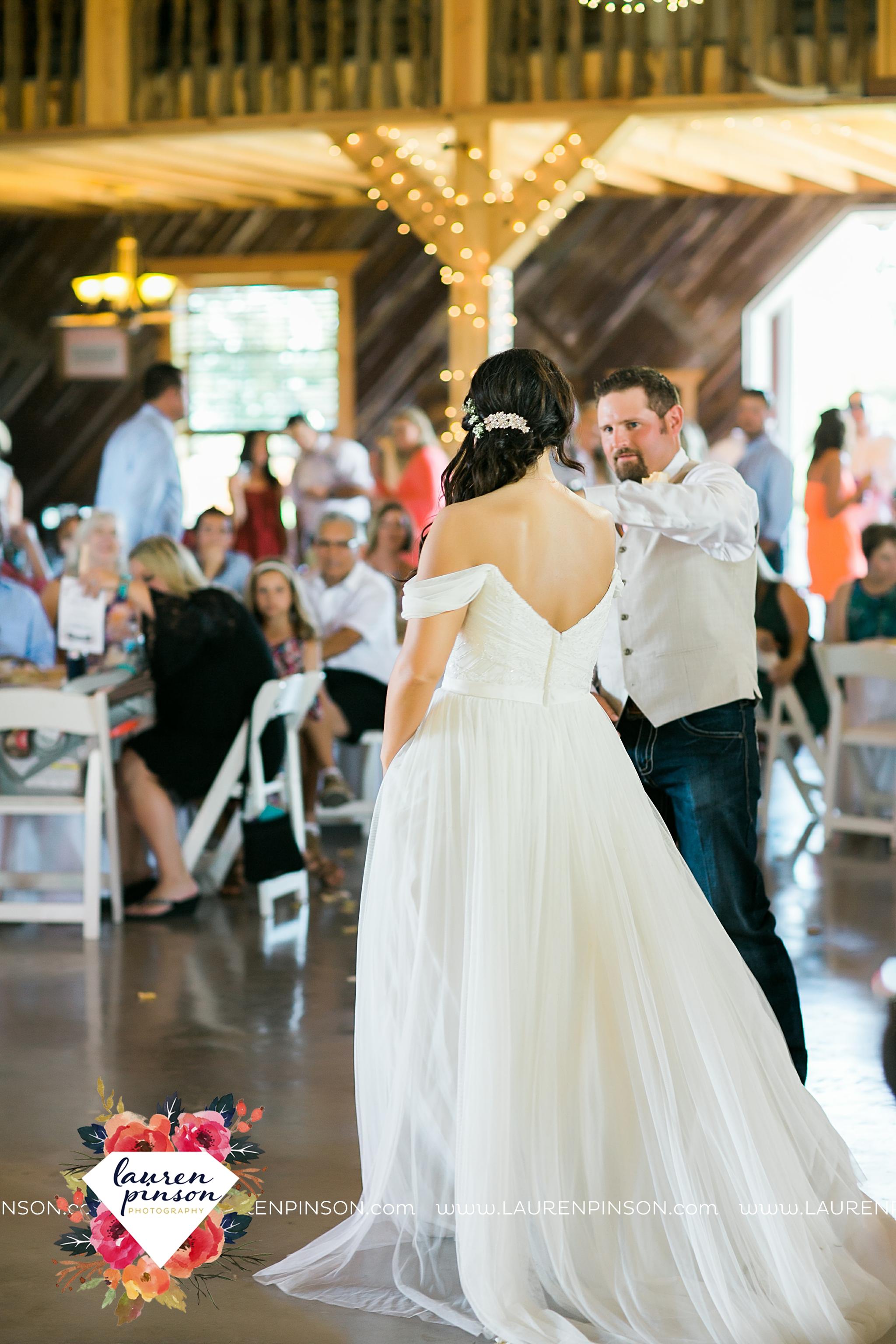 jones-barn-willow-creek-ranch-wedding-in-cleburne-texas-fort-worth-dfw-wichita-falls-wedding-photography_3253.jpg