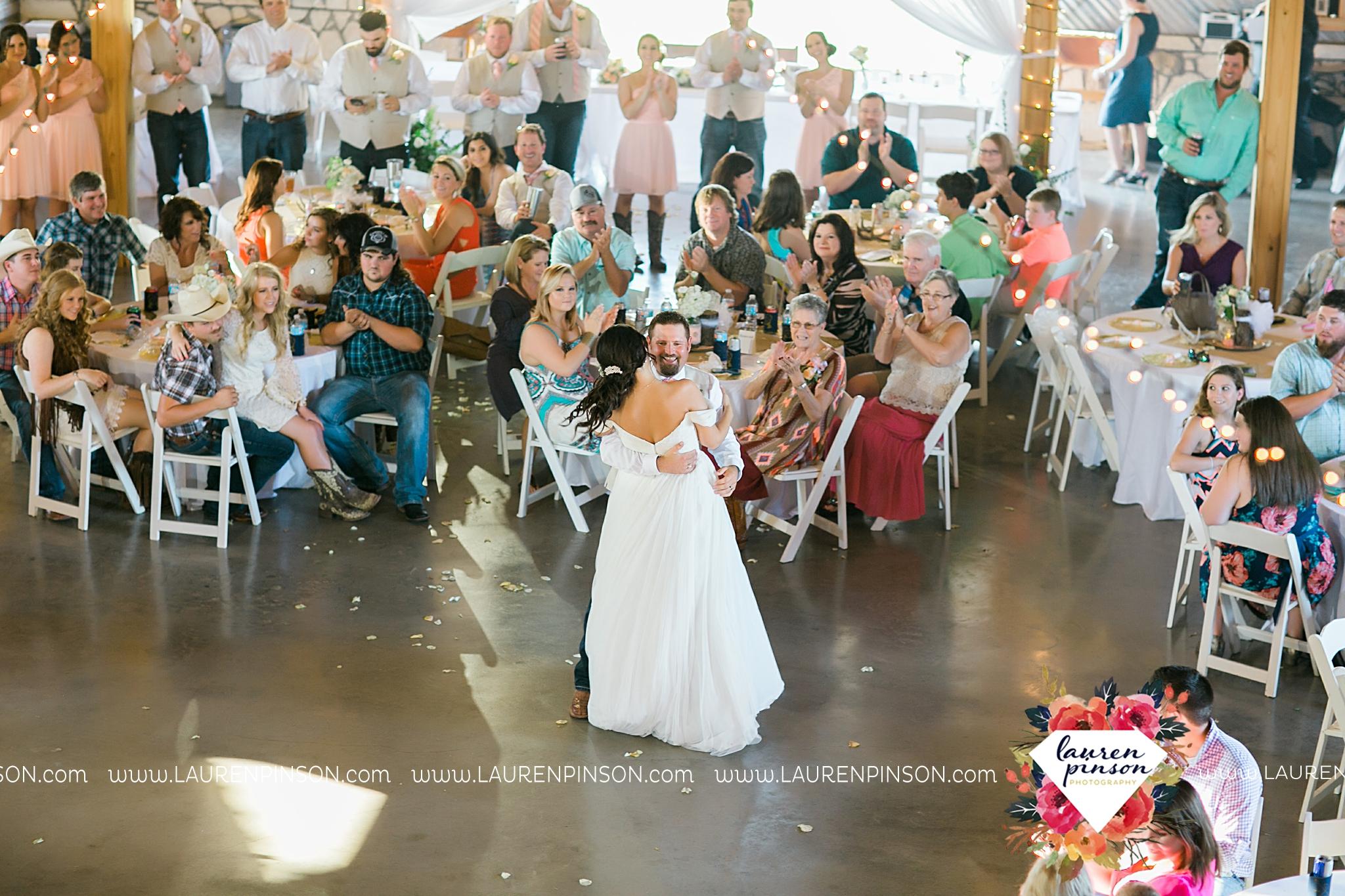 jones-barn-willow-creek-ranch-wedding-in-cleburne-texas-fort-worth-dfw-wichita-falls-wedding-photography_3256.jpg