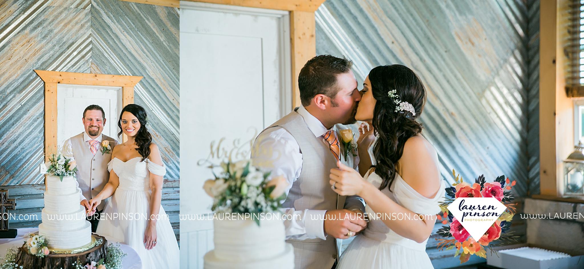 jones-barn-willow-creek-ranch-wedding-in-cleburne-texas-fort-worth-dfw-wichita-falls-wedding-photography_3259.jpg