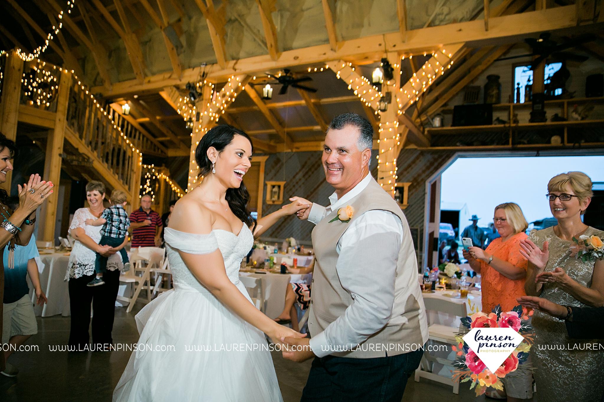 jones-barn-willow-creek-ranch-wedding-in-cleburne-texas-fort-worth-dfw-wichita-falls-wedding-photography_3260.jpg