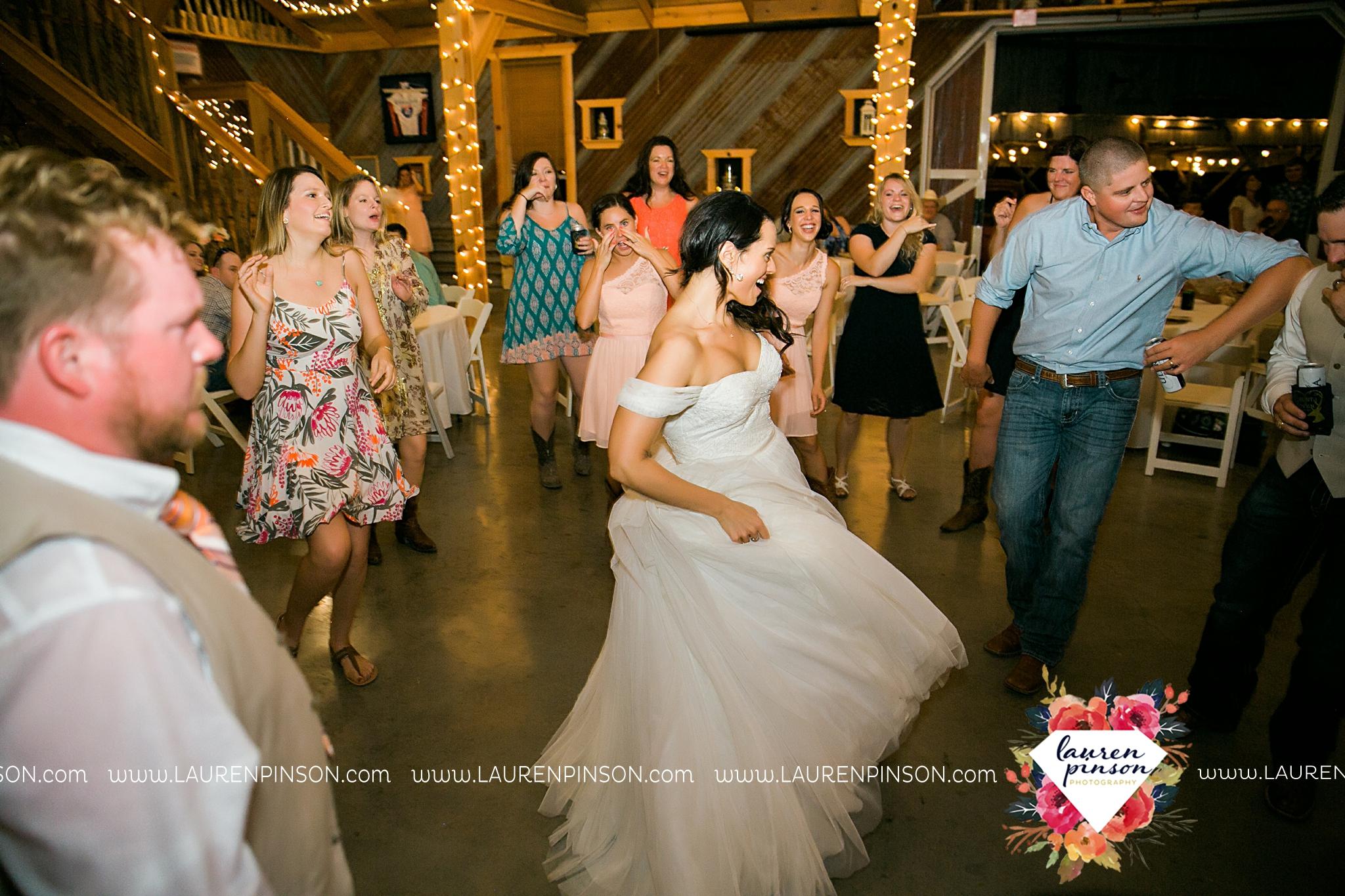 jones-barn-willow-creek-ranch-wedding-in-cleburne-texas-fort-worth-dfw-wichita-falls-wedding-photography_3263.jpg