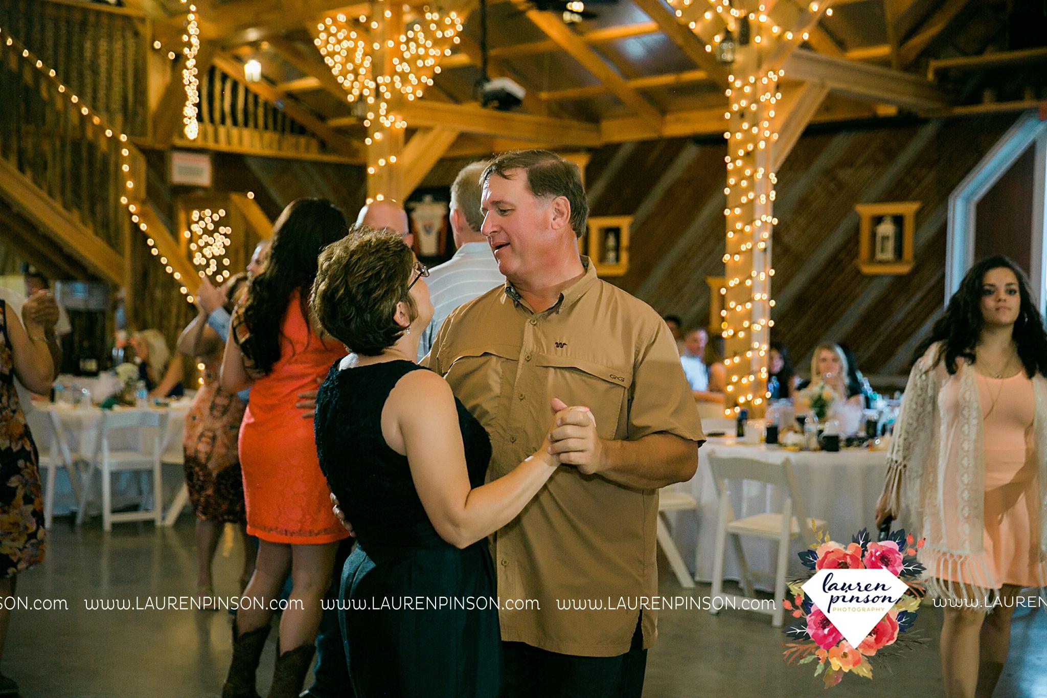 jones-barn-willow-creek-ranch-wedding-in-cleburne-texas-fort-worth-dfw-wichita-falls-wedding-photography_3264.jpg