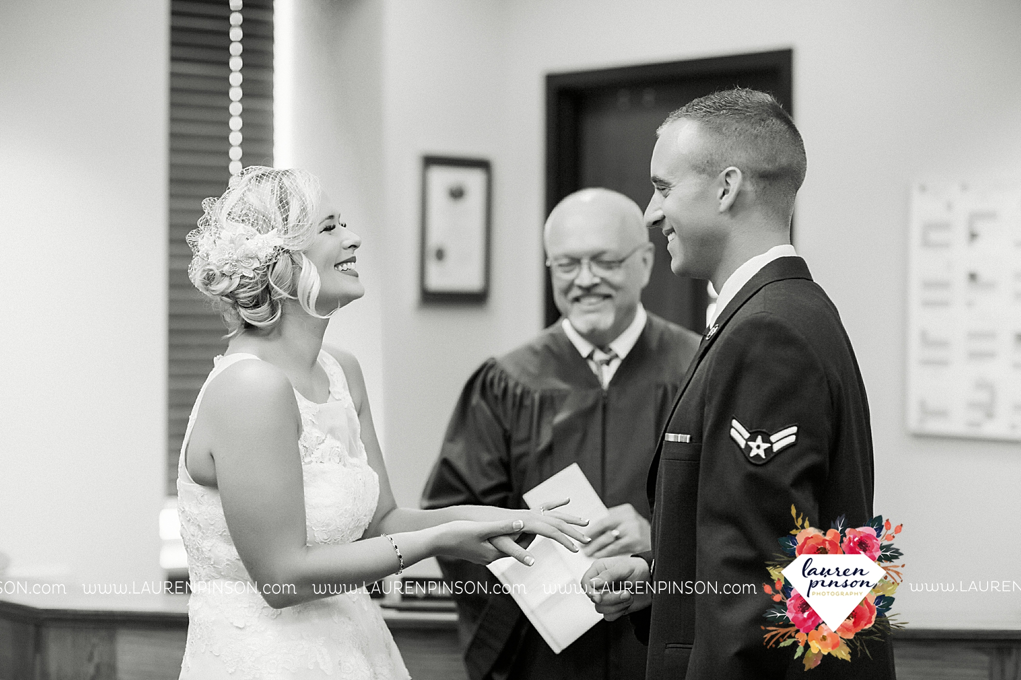 sheppard-afb-wichita-falls-texas-elopement-courthouse-wedding-photographer-justice-of-the-peace-judge-little-ceremony_3275.jpg