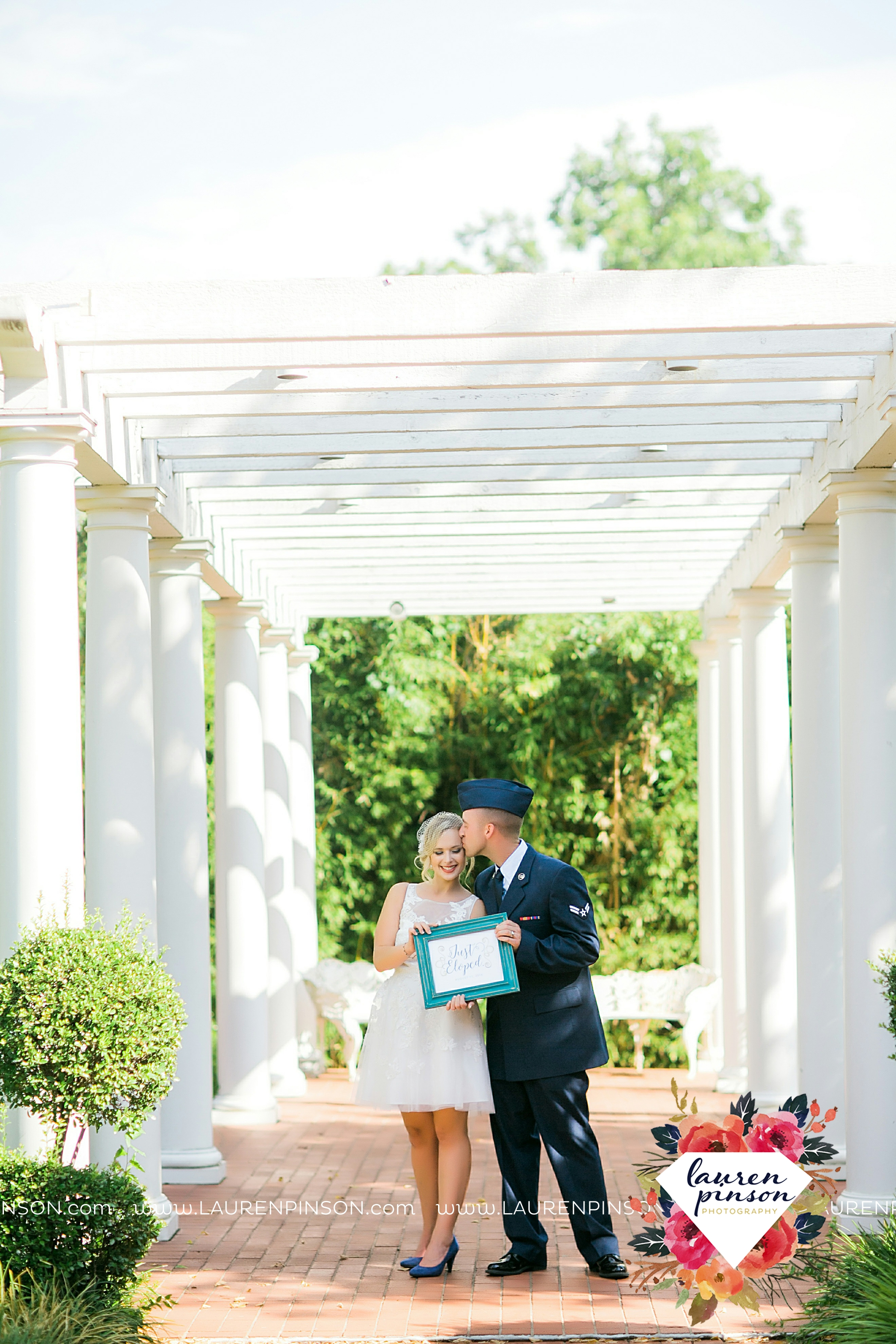 sheppard-afb-wichita-falls-texas-elopement-courthouse-wedding-photographer-justice-of-the-peace-judge-little-ceremony_3286.jpg