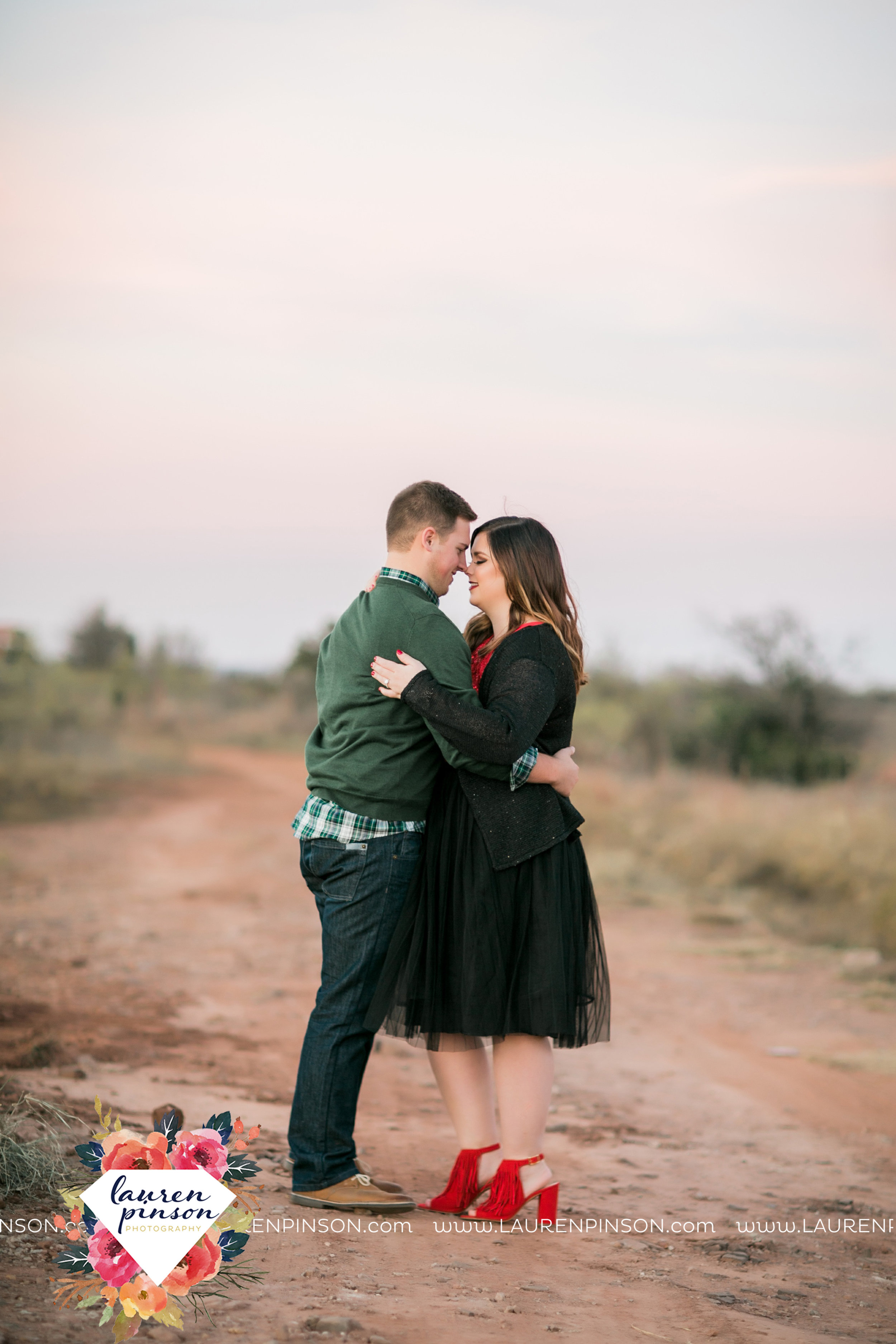 wichita-falls-texas-engagement-photography-downtown-alley-cat-wichita-theatre-christmas-lights7.jpg
