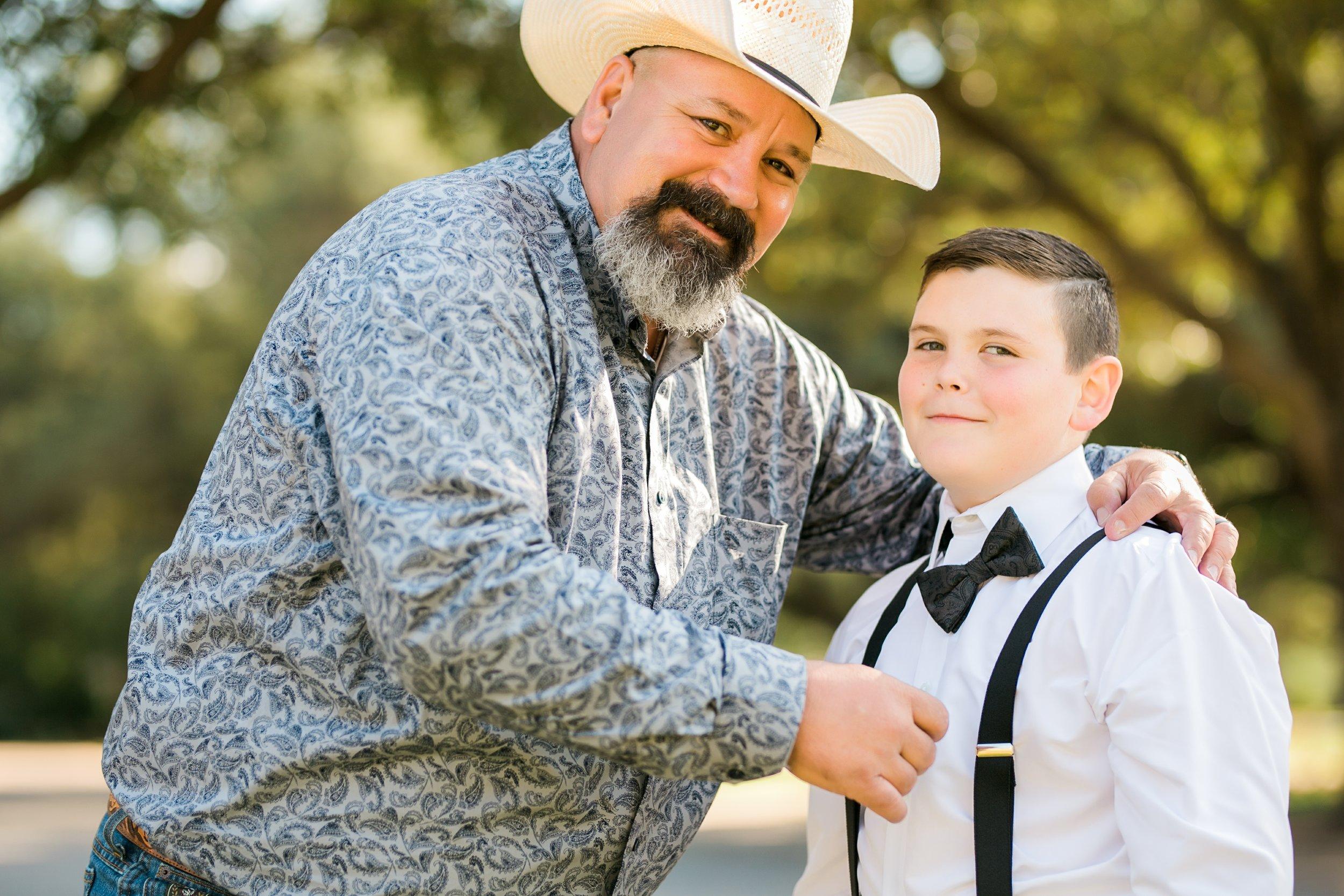 Roberson-Wedding-The-Forum-Lauren-Pinson-Wedding-Photography-Wichita-Falls-Texas-011.jpg