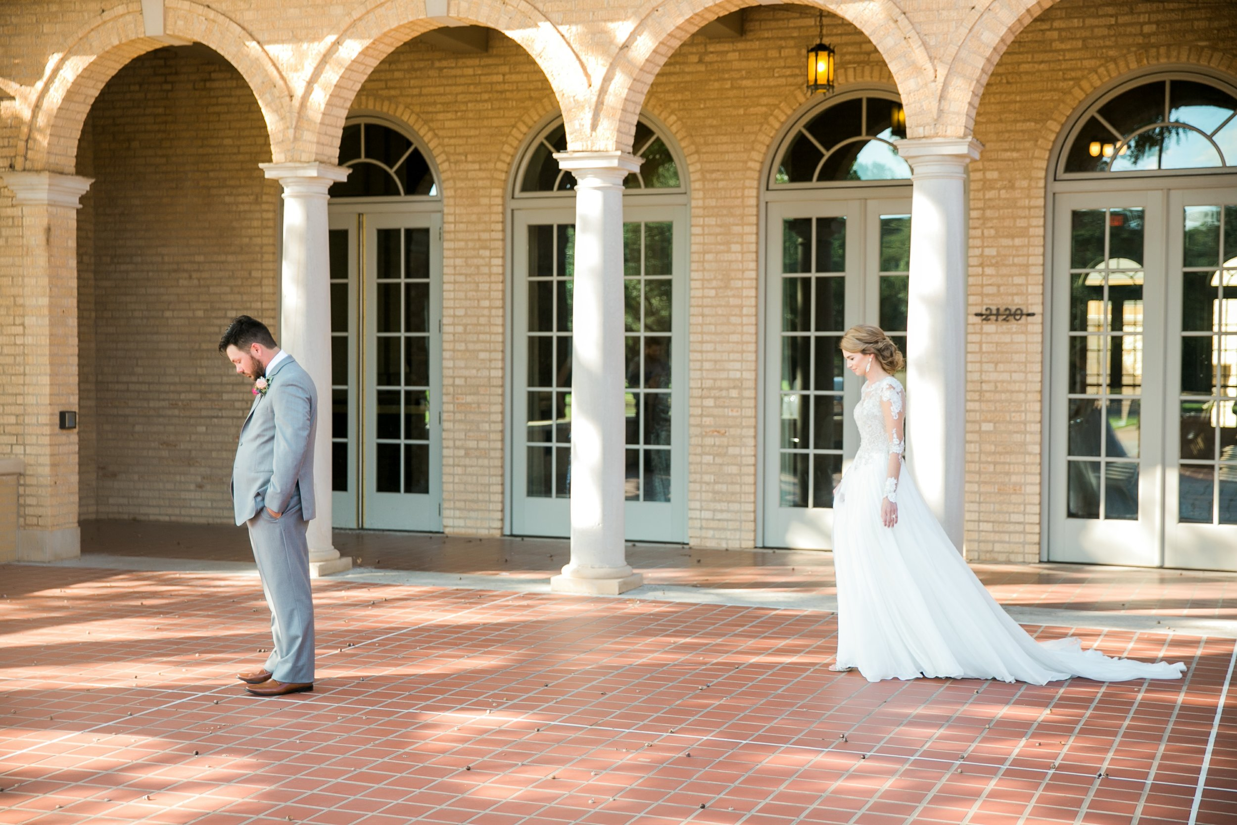 Roberson-Wedding-The-Forum-Lauren-Pinson-Wedding-Photography-Wichita-Falls-Texas-025.jpg