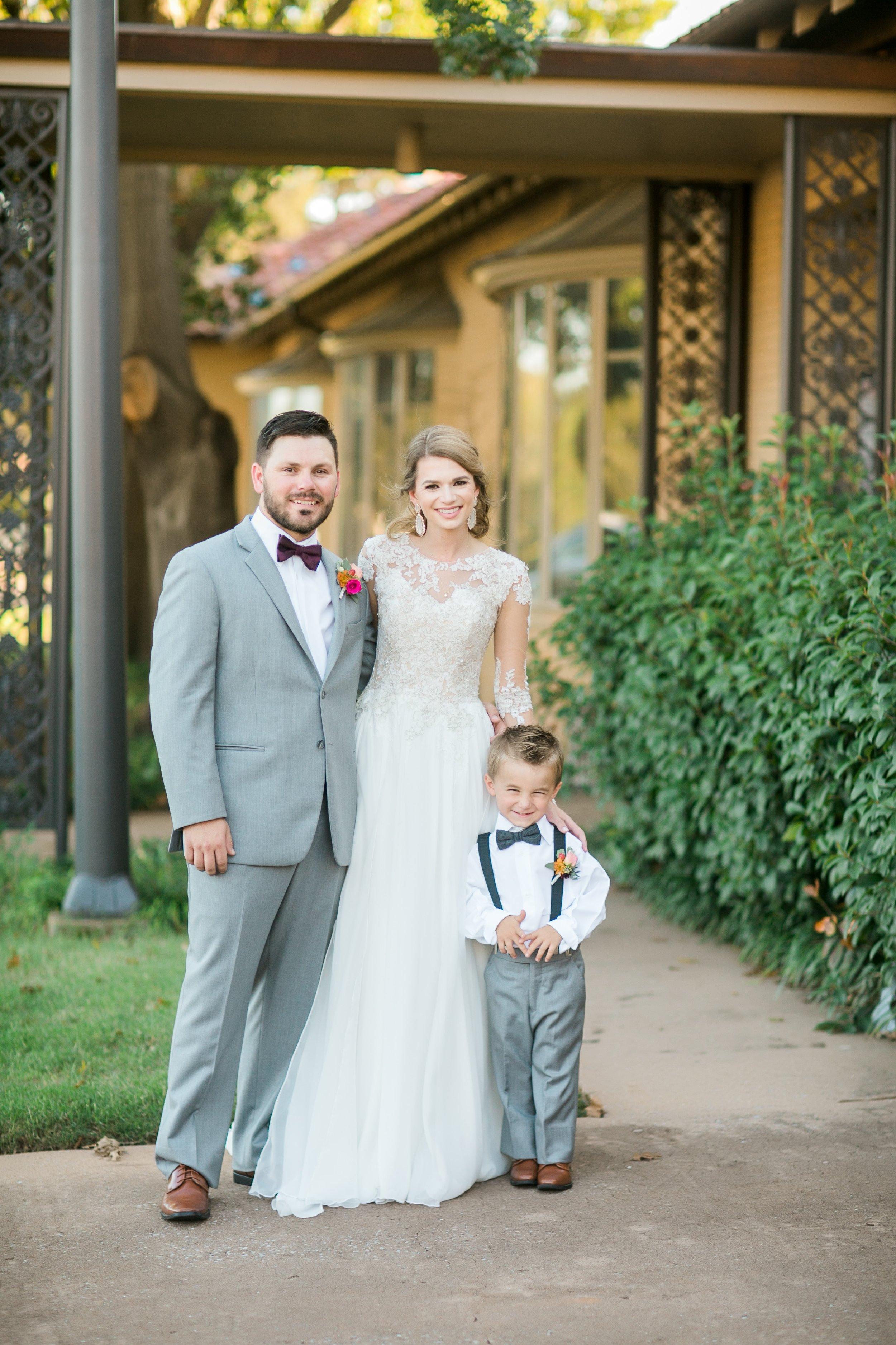 Roberson-Wedding-The-Forum-Lauren-Pinson-Wedding-Photography-Wichita-Falls-Texas-069.jpg