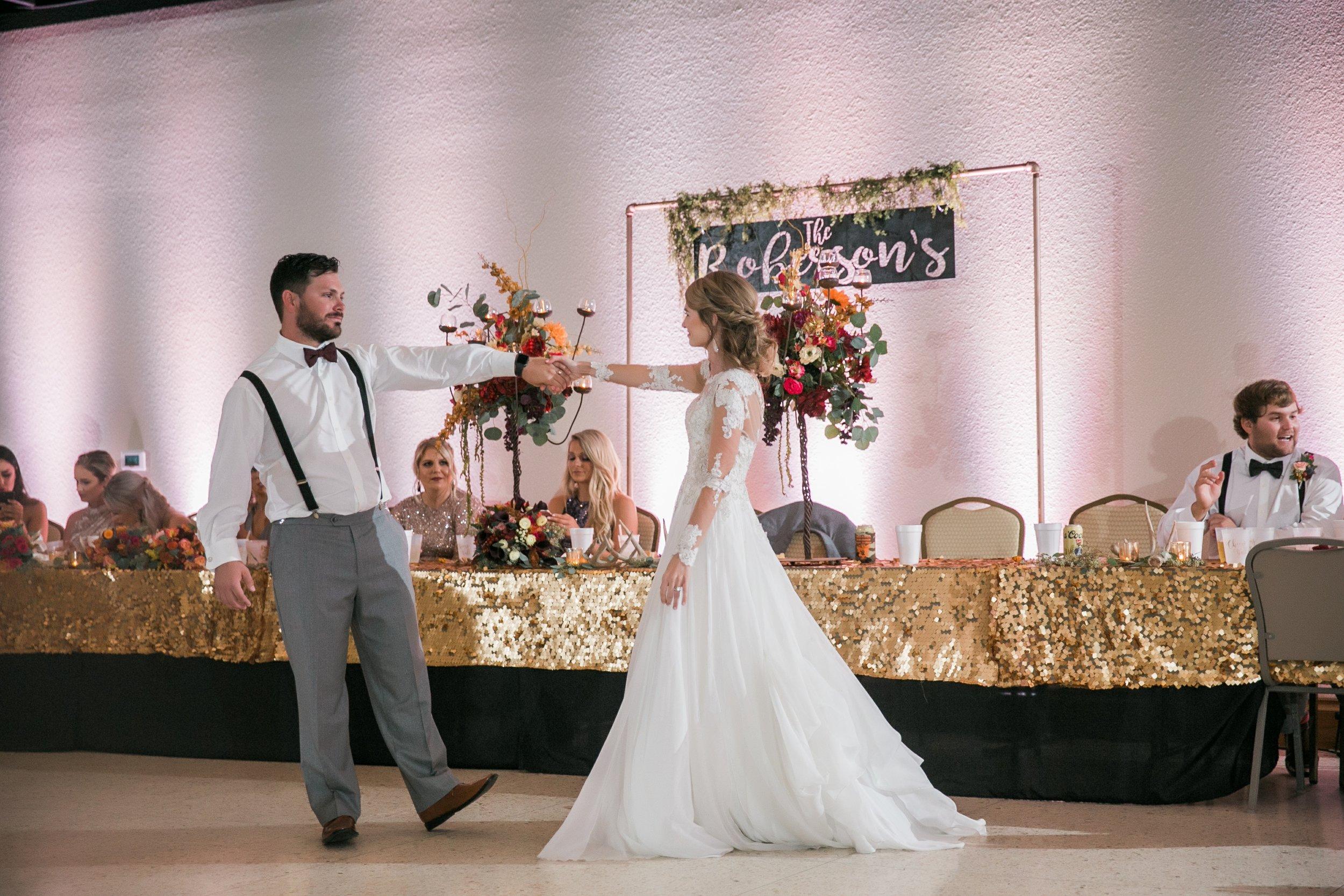Roberson-Wedding-The-Forum-Lauren-Pinson-Wedding-Photography-Wichita-Falls-Texas-081.jpg