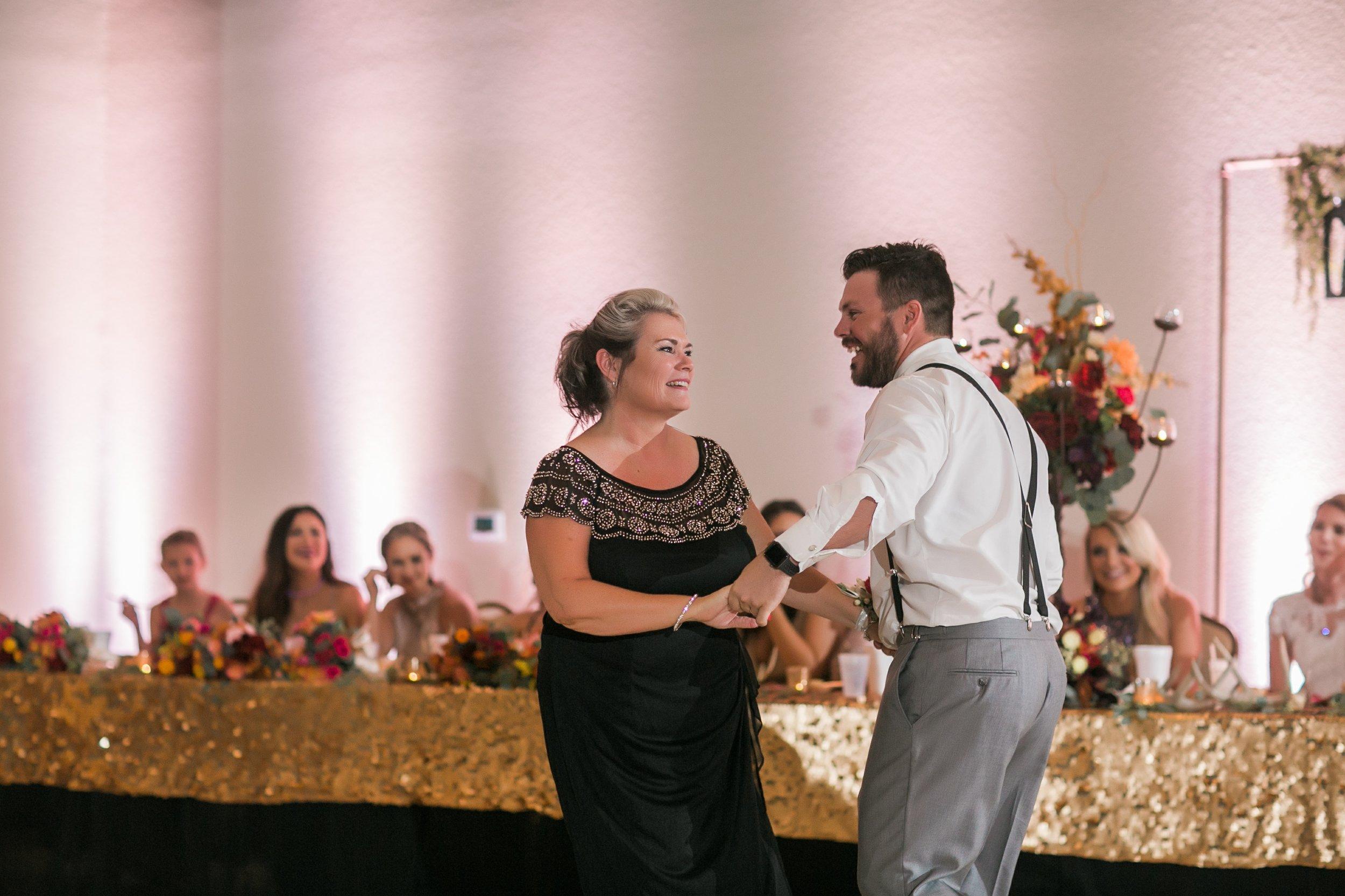 Roberson-Wedding-The-Forum-Lauren-Pinson-Wedding-Photography-Wichita-Falls-Texas-083.jpg