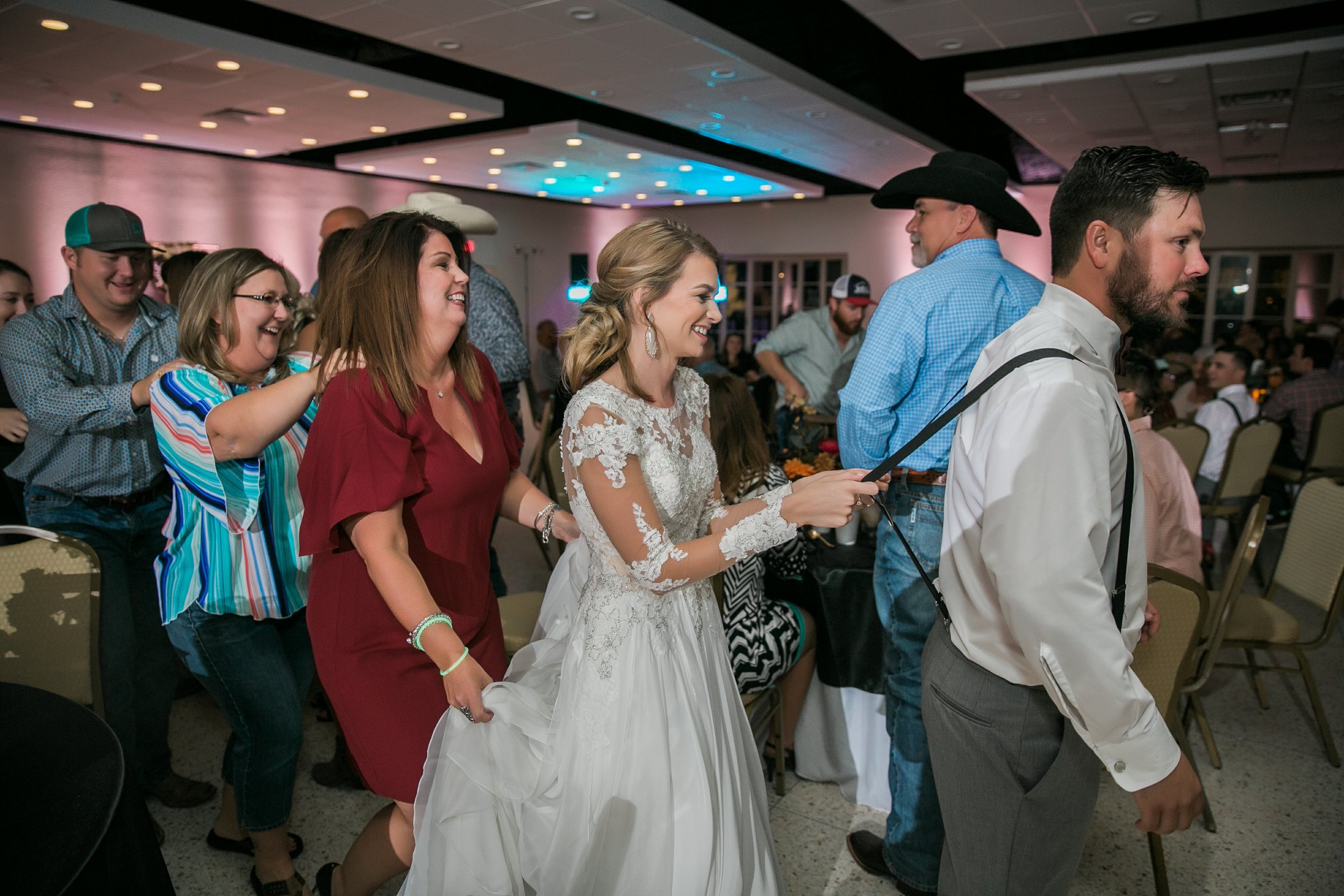 Roberson-Wedding-The-Forum-Lauren-Pinson-Wedding-Photography-Wichita-Falls-Texas-085.jpg