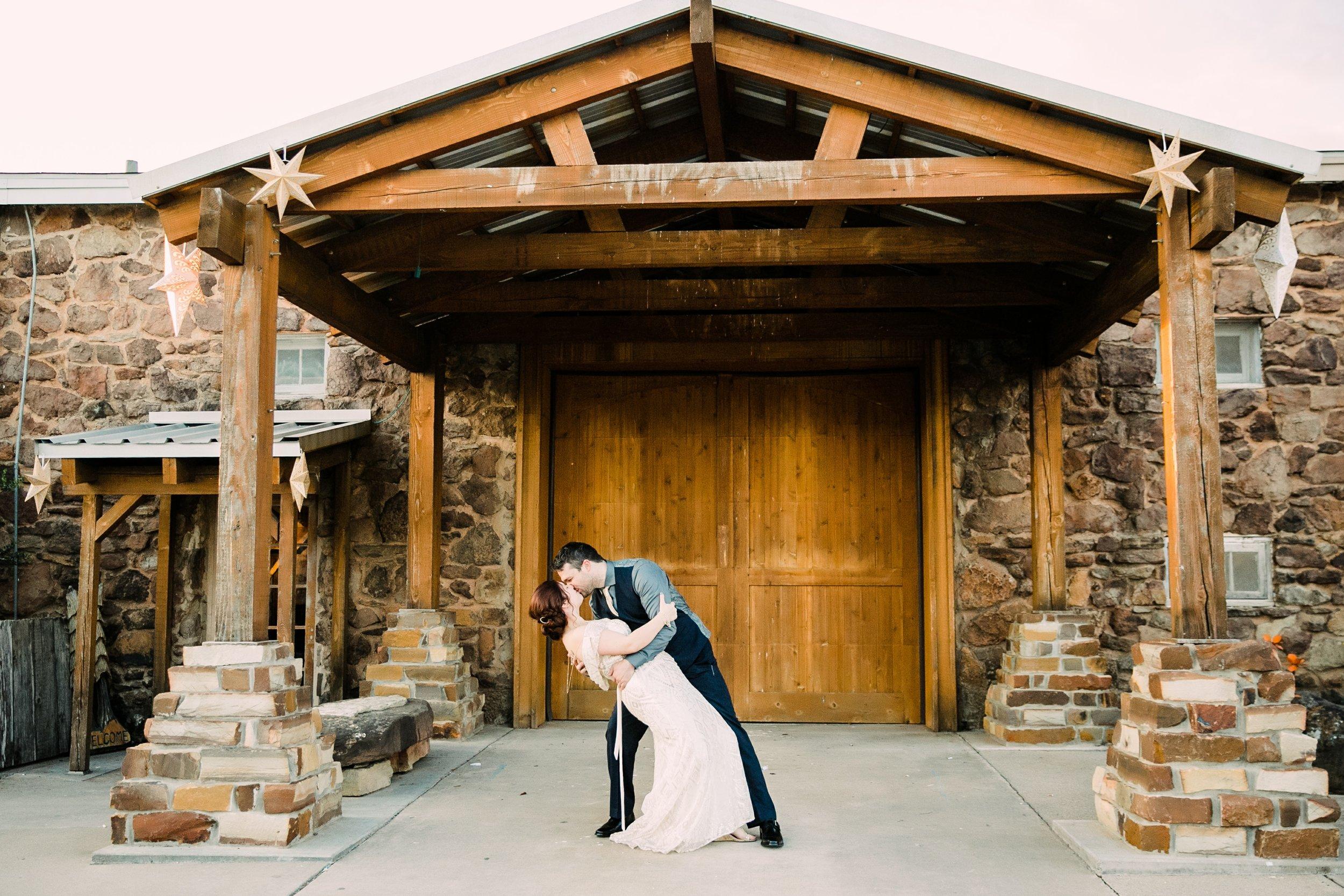 the-rock-barn-henrietta-wedding-photographer-texas-wichita-falls-earth-day-wedding-033.jpg