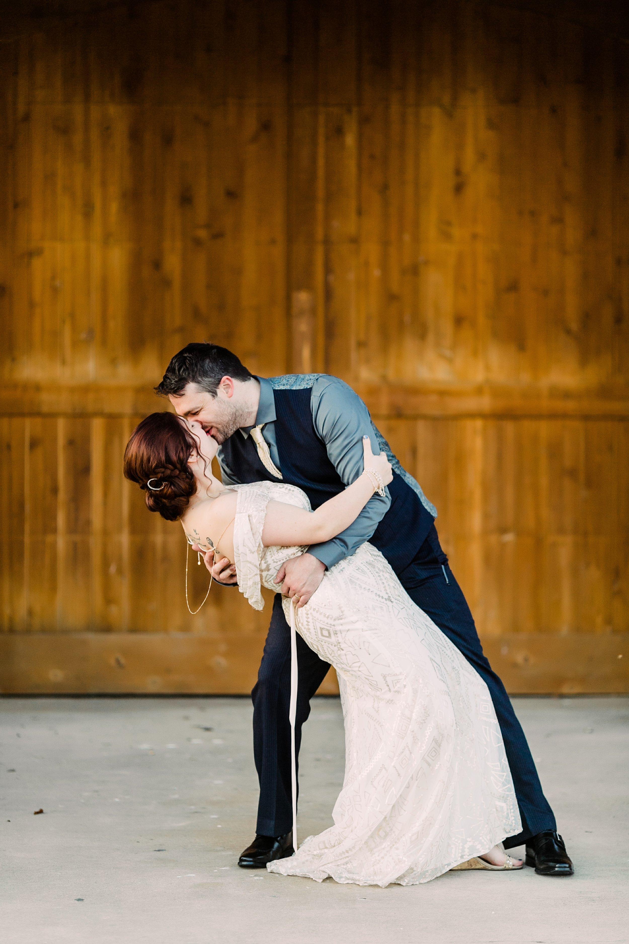 the-rock-barn-henrietta-wedding-photographer-texas-wichita-falls-earth-day-wedding-032.jpg