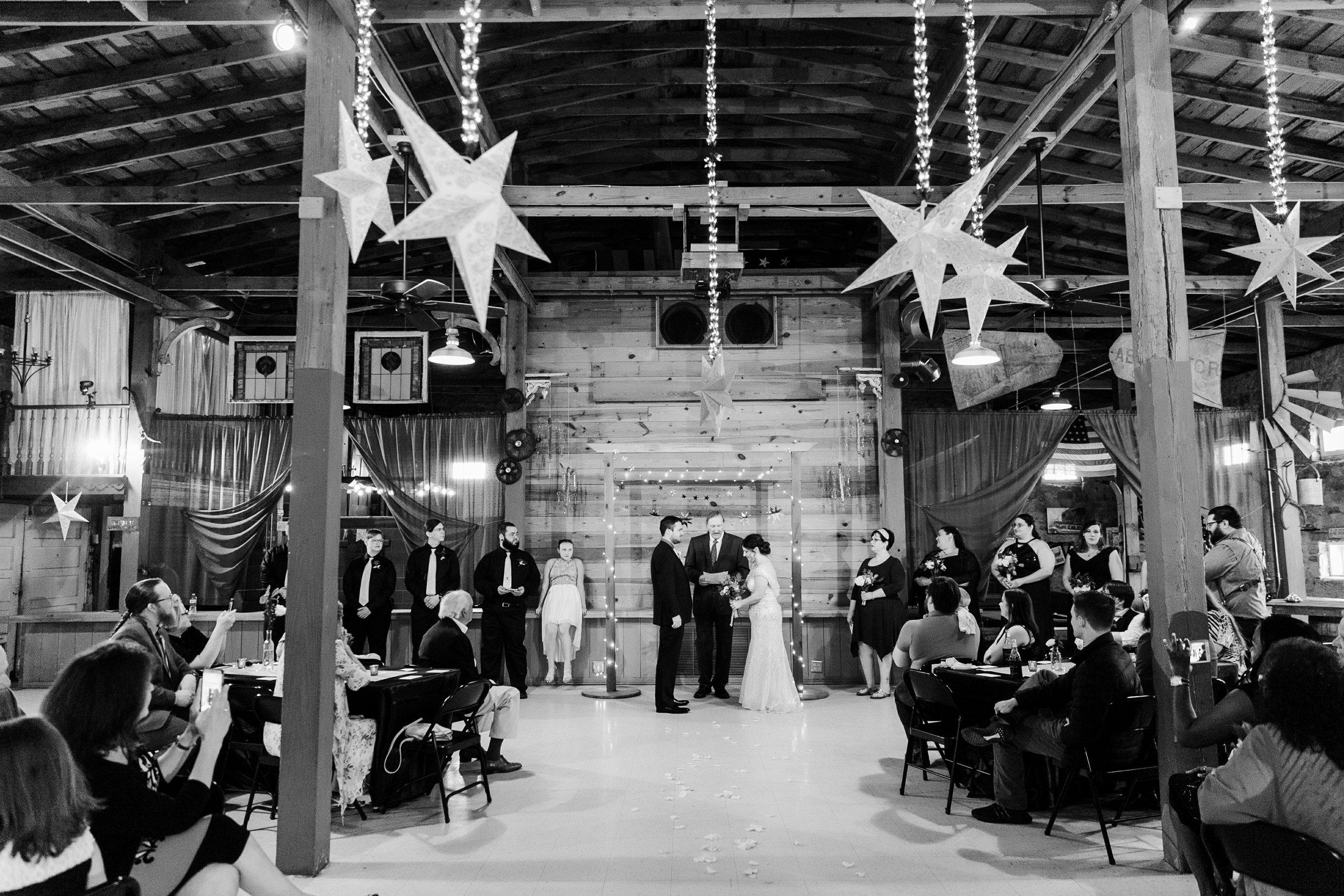 the-rock-barn-henrietta-wedding-photographer-texas-wichita-falls-earth-day-wedding-024.jpg