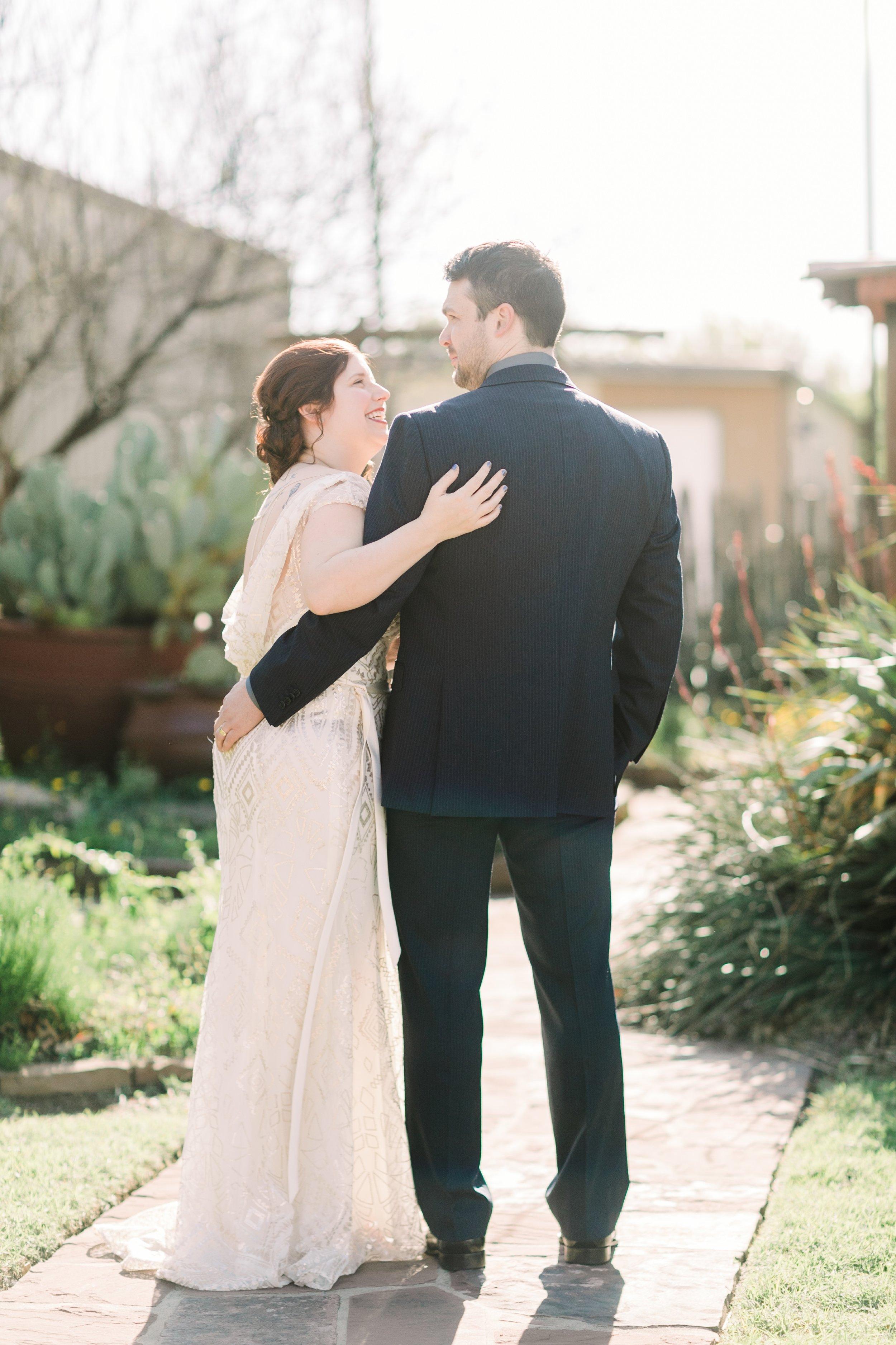 the-rock-barn-henrietta-wedding-photographer-texas-wichita-falls-earth-day-wedding-015.jpg