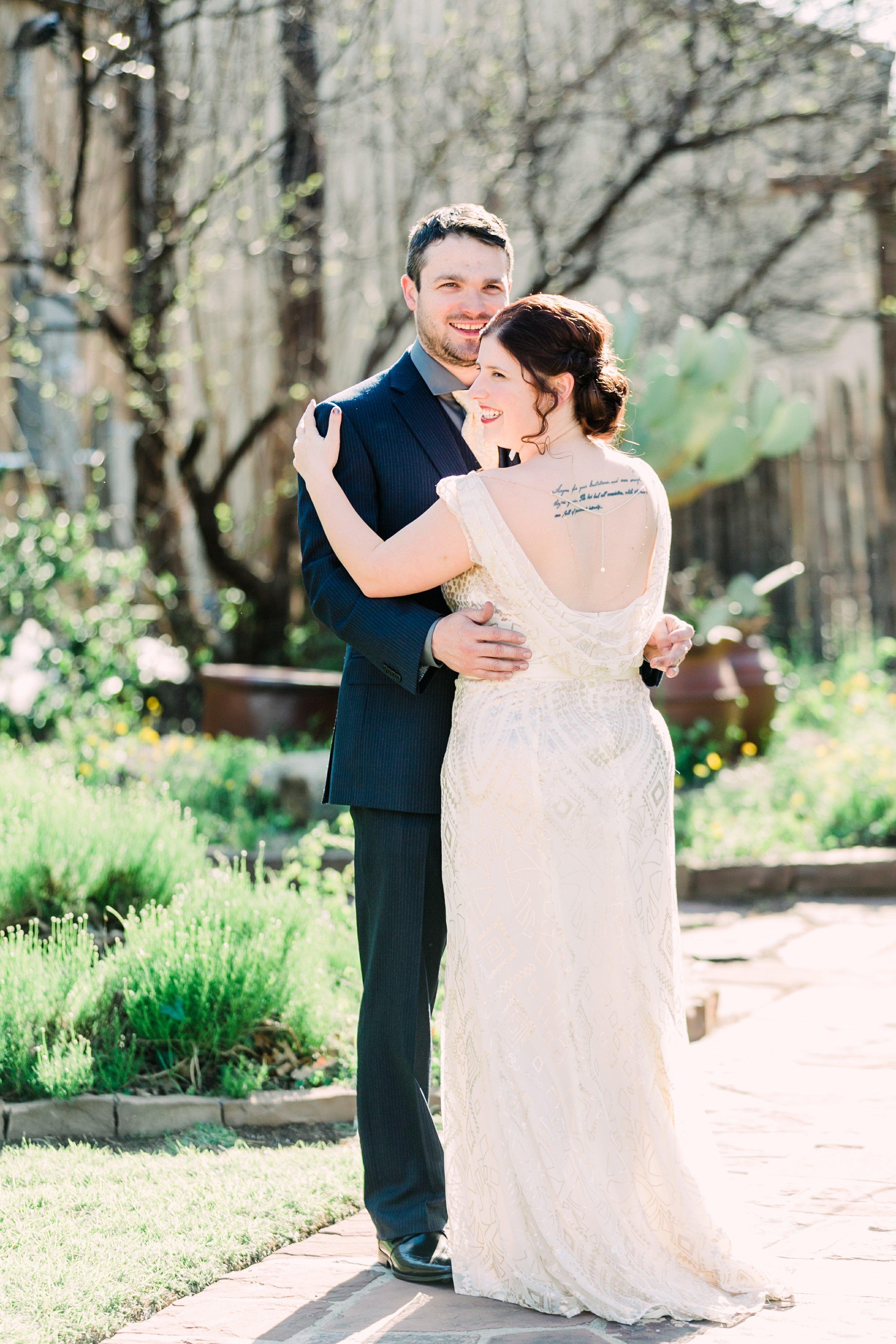 the-rock-barn-henrietta-wedding-photographer-texas-wichita-falls-earth-day-wedding-013.jpg