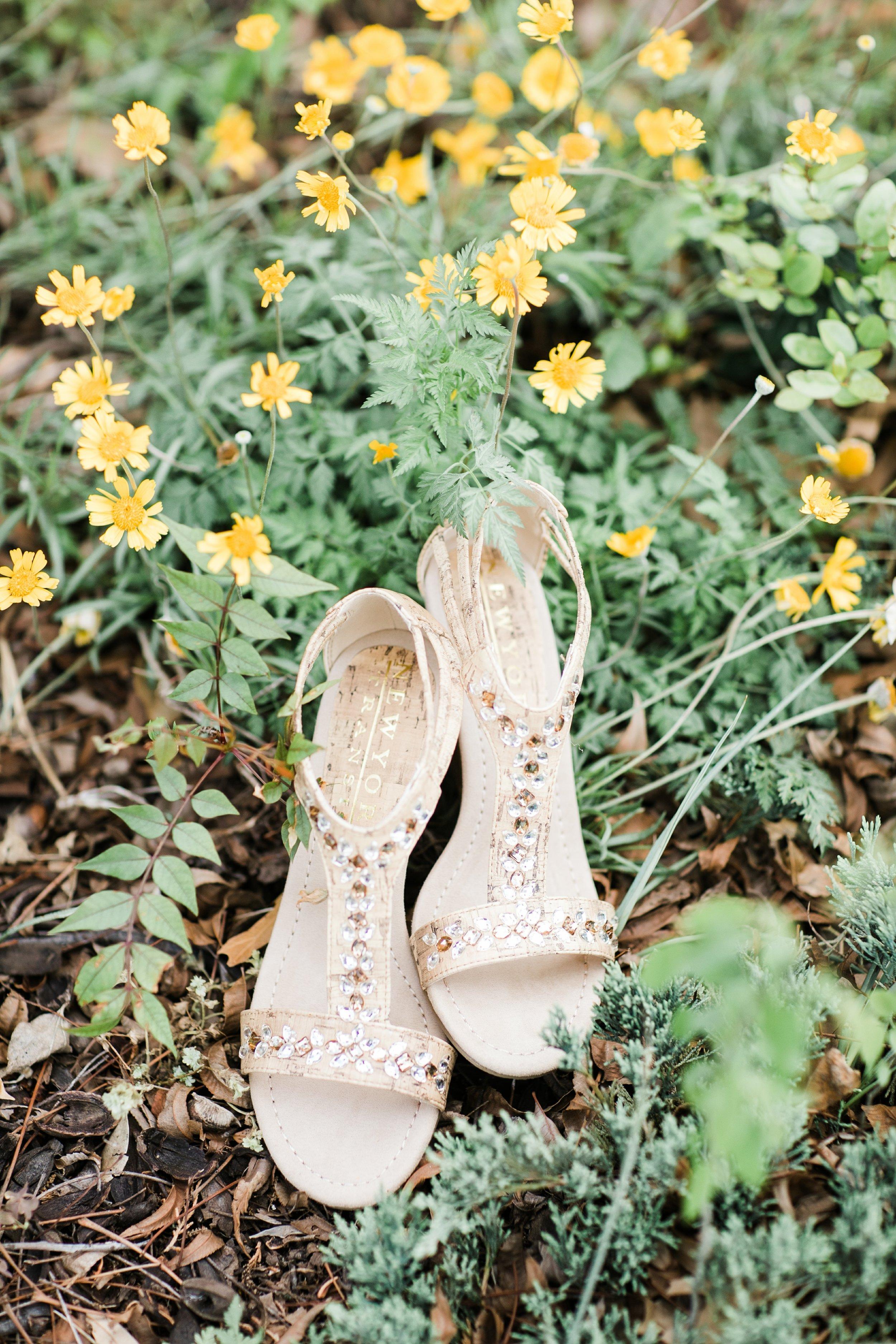 the-rock-barn-henrietta-wedding-photographer-texas-wichita-falls-earth-day-wedding-001.jpg