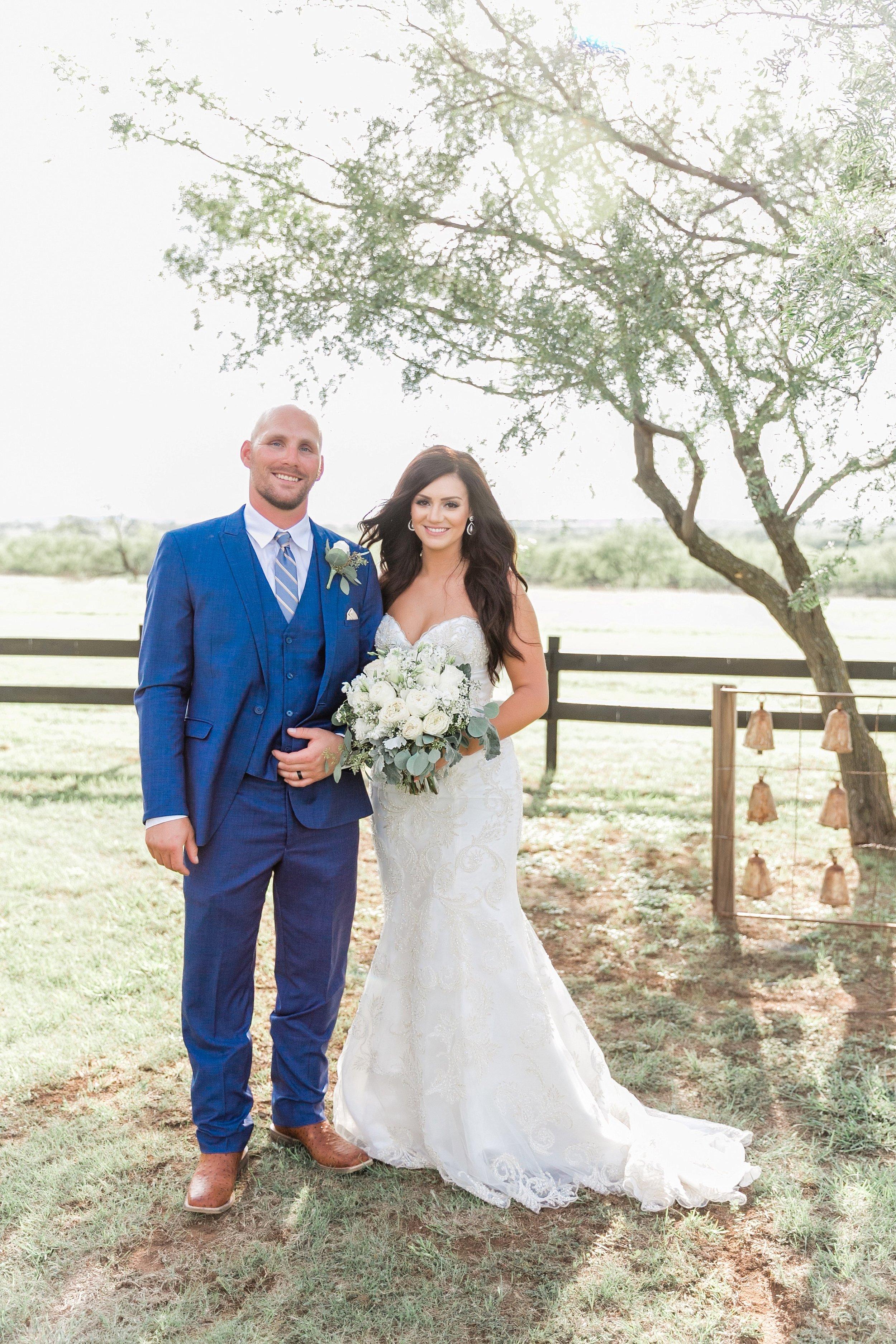 bailey-and-carl-coyote-ranch-resort-wedding-photographer-wichita-falls-texas-destination-wedding-0024.jpg