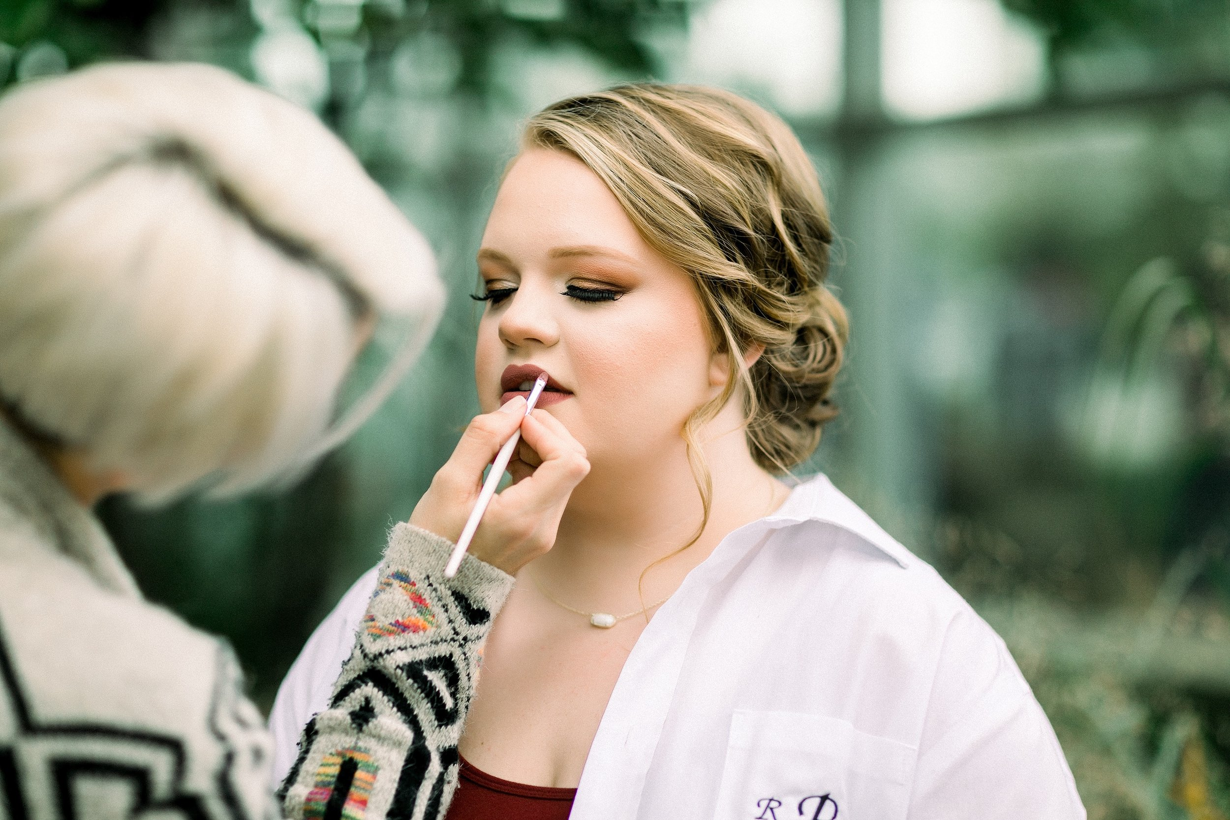 Ryanne-and-william-wedding-at-river-bend-nature-center-wichita-falls-texas-two-clever-chicks-0015.jpg