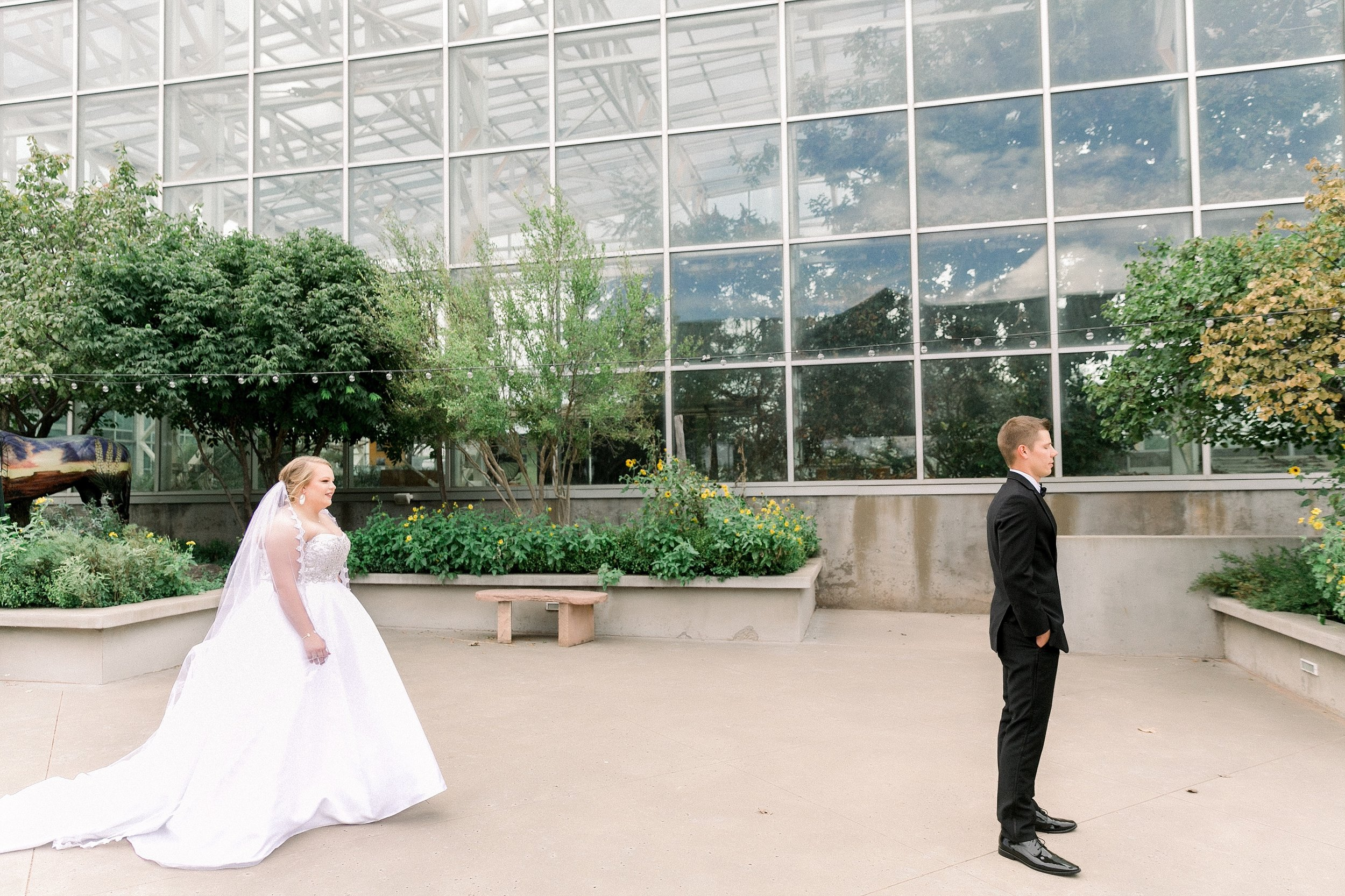 Ryanne-and-william-wedding-at-river-bend-nature-center-wichita-falls-texas-two-clever-chicks-0026.jpg
