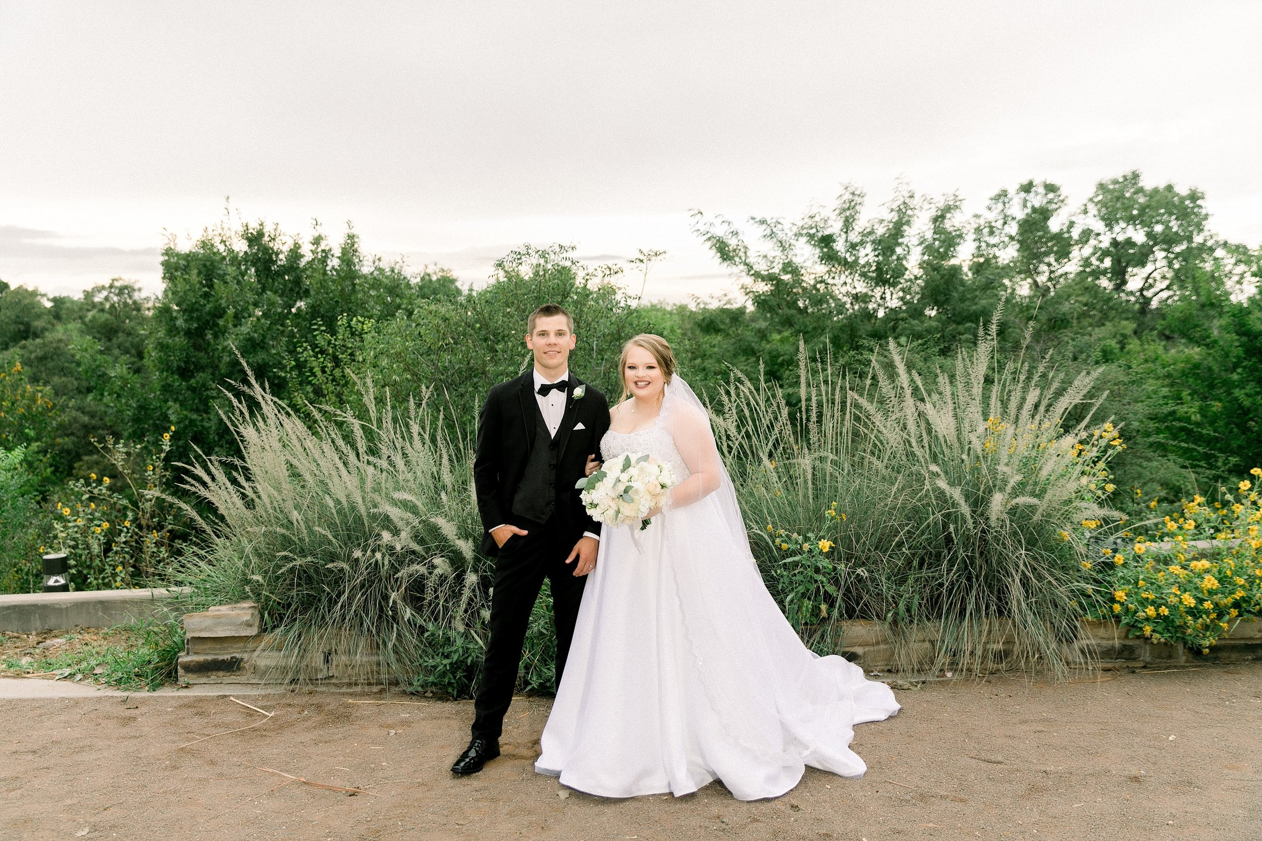 Ryanne-and-william-wedding-at-river-bend-nature-center-wichita-falls-texas-two-clever-chicks-0099.jpg
