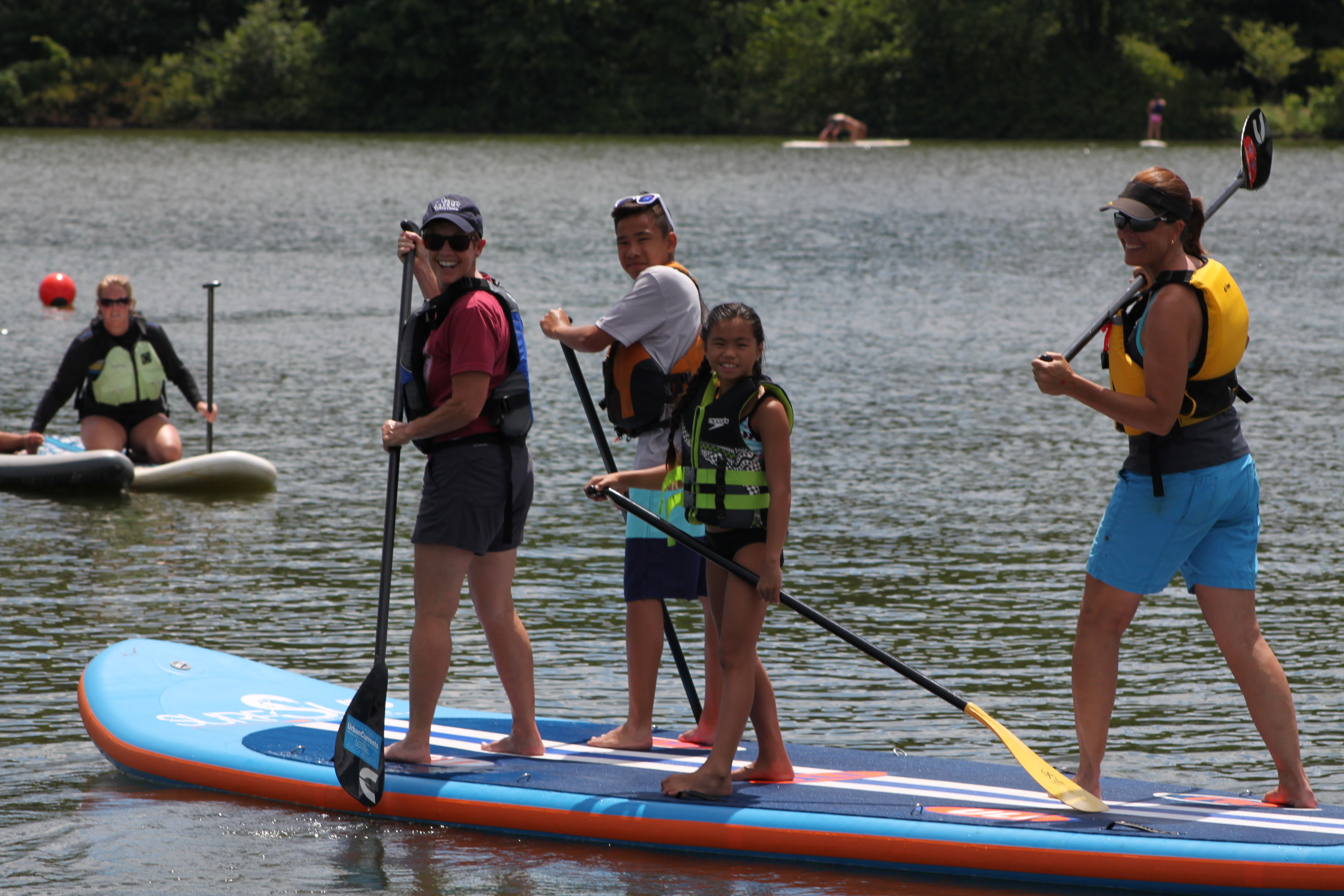The whole family can get out on this JUMBO SIZE standup paddleboard!!!