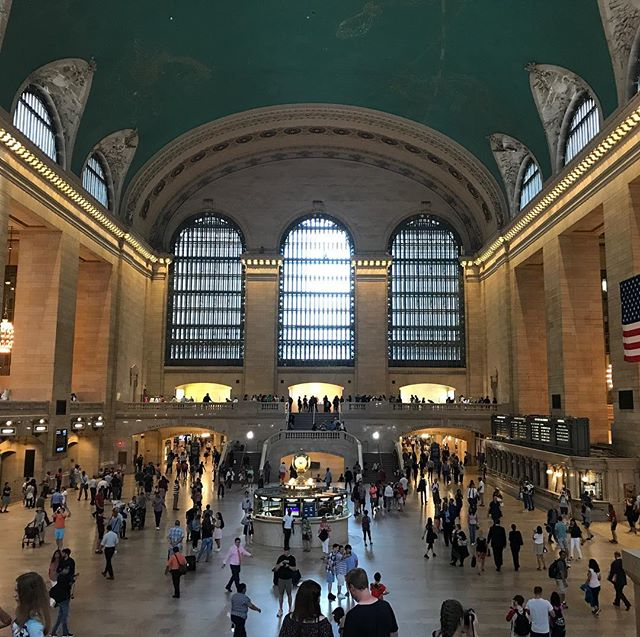 I feel joy every single time that I arrive to Grand Central Station :) #grandcentralstation #architecture #nyc #dezignstudio