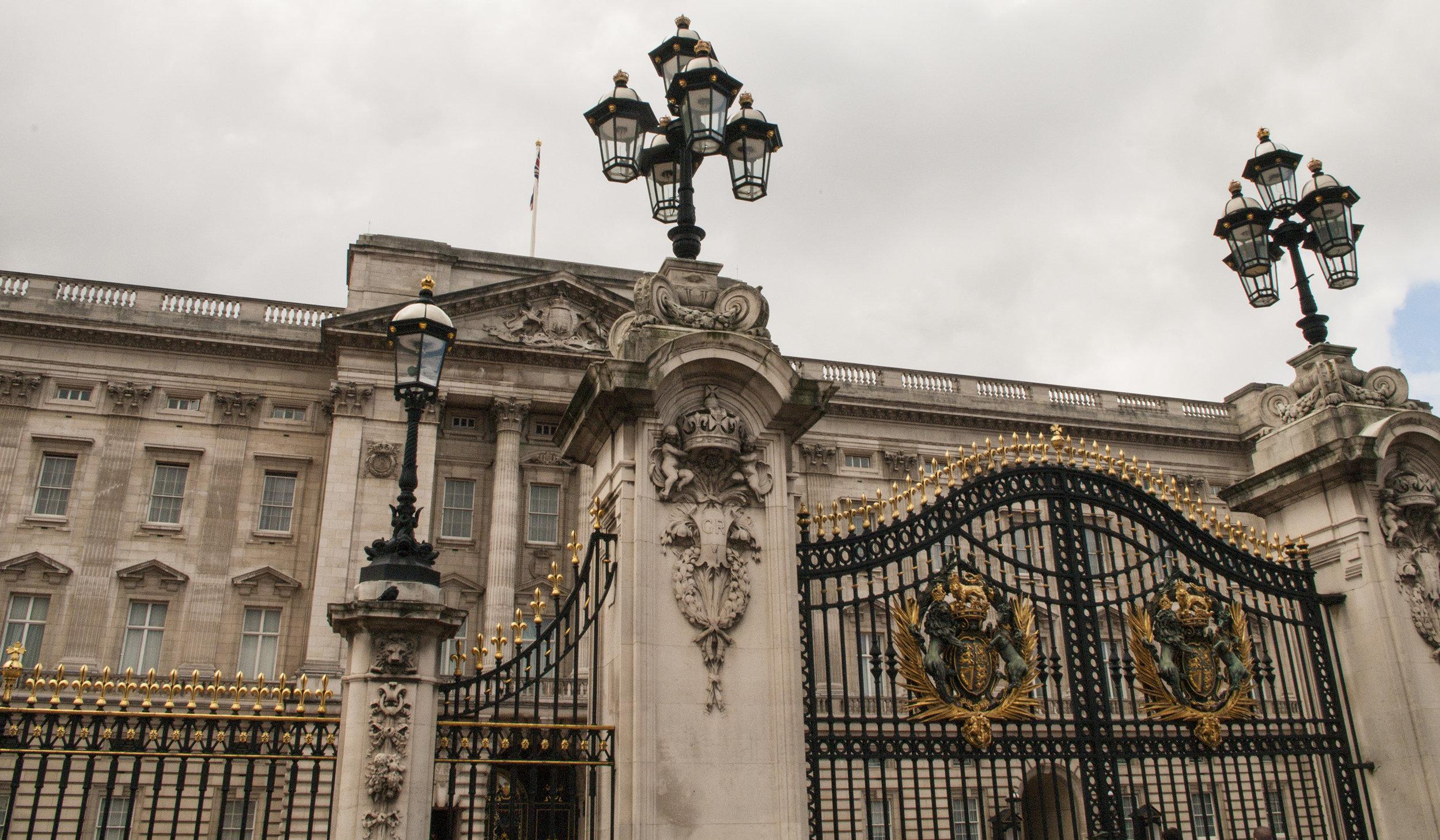 Buckingham Plalace Gates.jpg