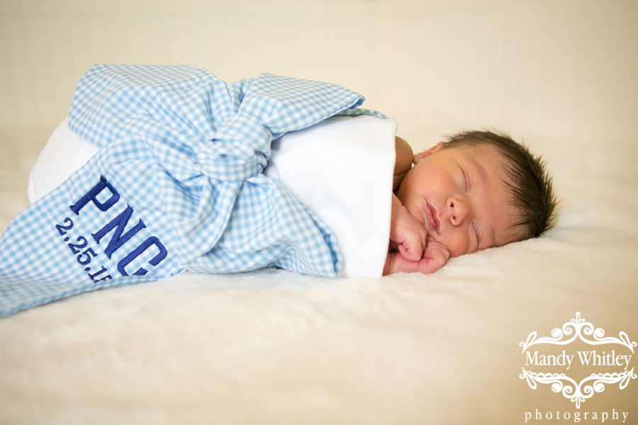 in home newborn lifestyle photography session