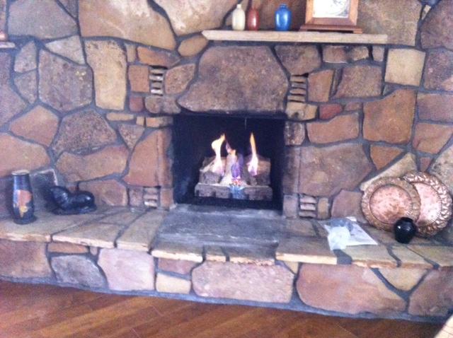 Fireplace-stone-02.jpg