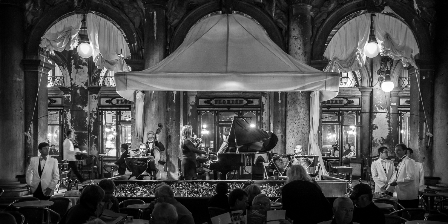 The orchestra of Caffe Florian