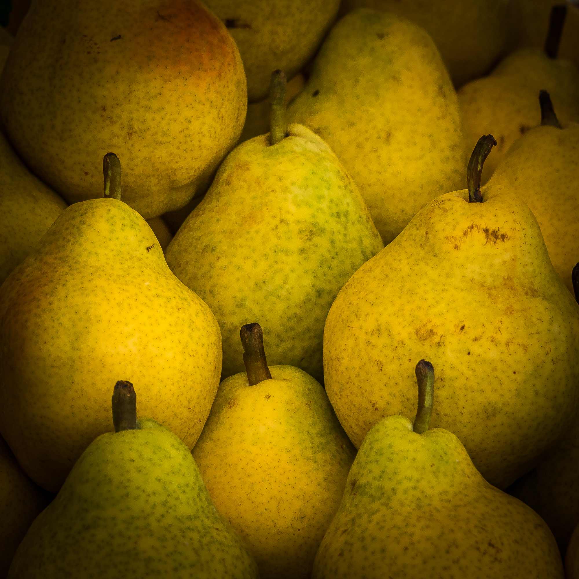 Rialto Market pears...and they're ripe