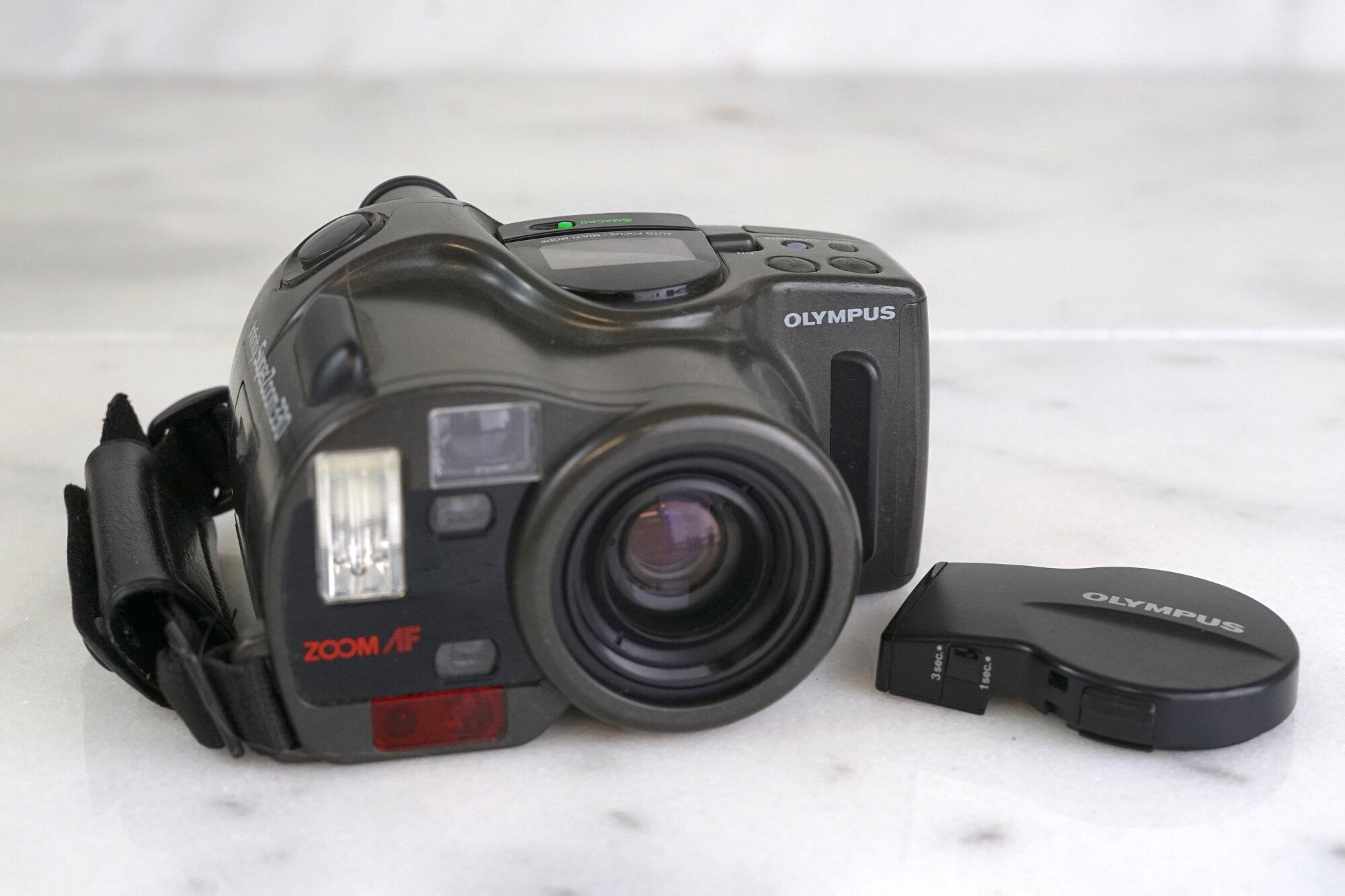 Olympus Infinity Super Zoom 3000 Multi Af 35mm Camera