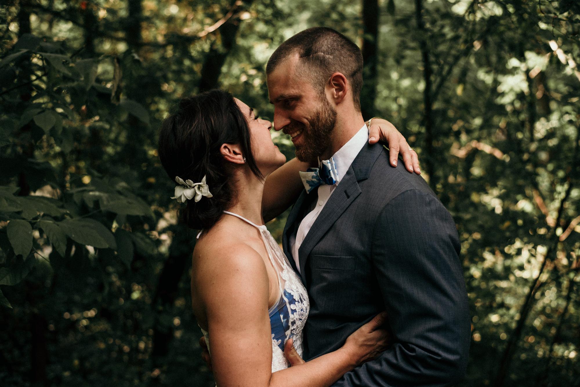 fraser-cottage-grand-bend-wedding-photographer-19.jpg