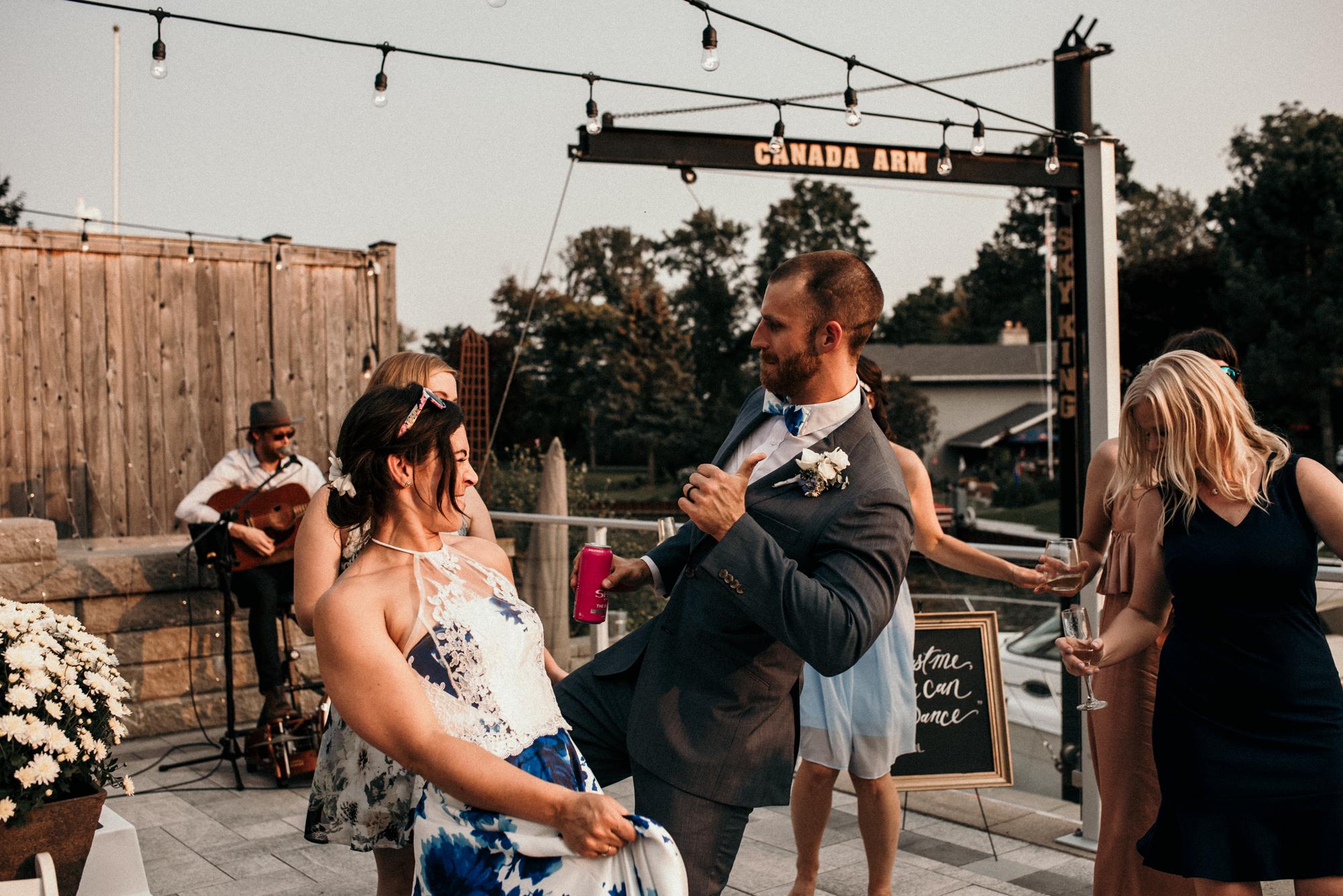 fraser-cottage-grand-bend-wedding-photographer-81.jpg