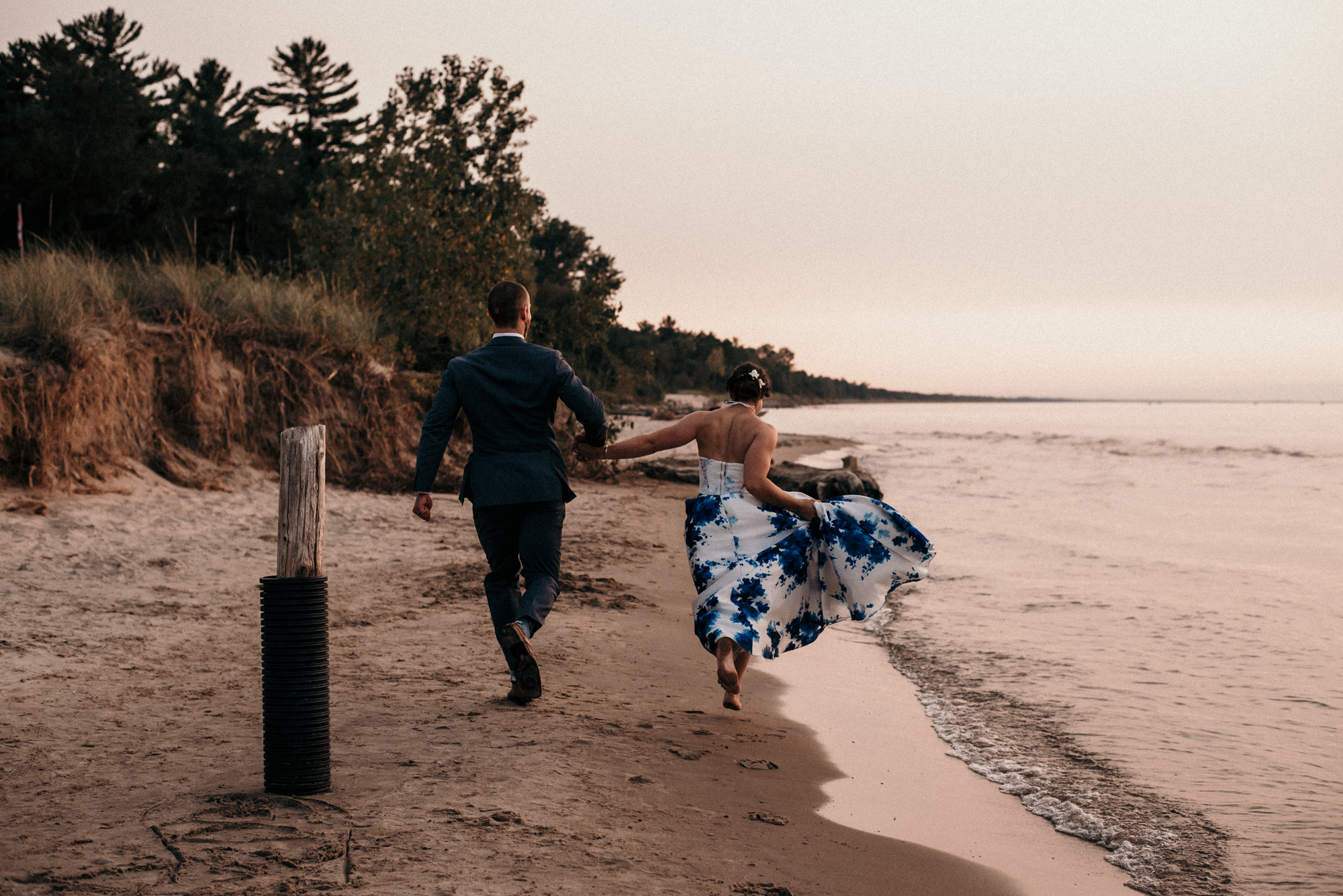fraser-cottage-grand-bend-wedding-photographer-87.jpg