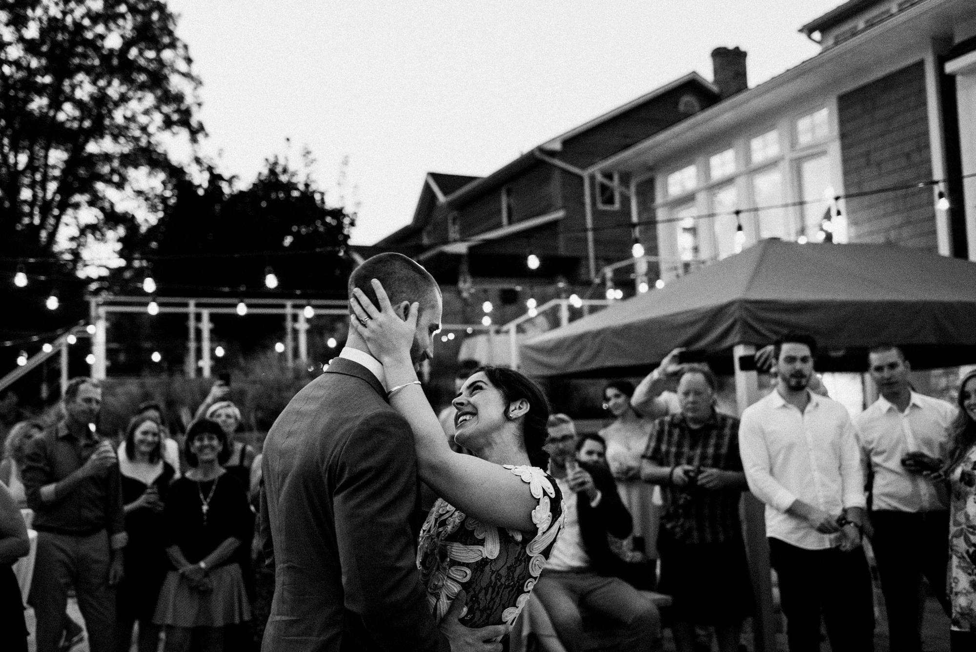 fraser-cottage-grand-bend-wedding-photographer-107.jpg