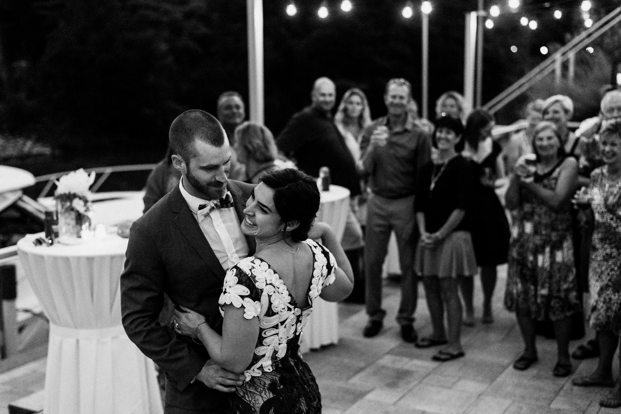 fraser-cottage-grand-bend-wedding-photographer-111.jpg